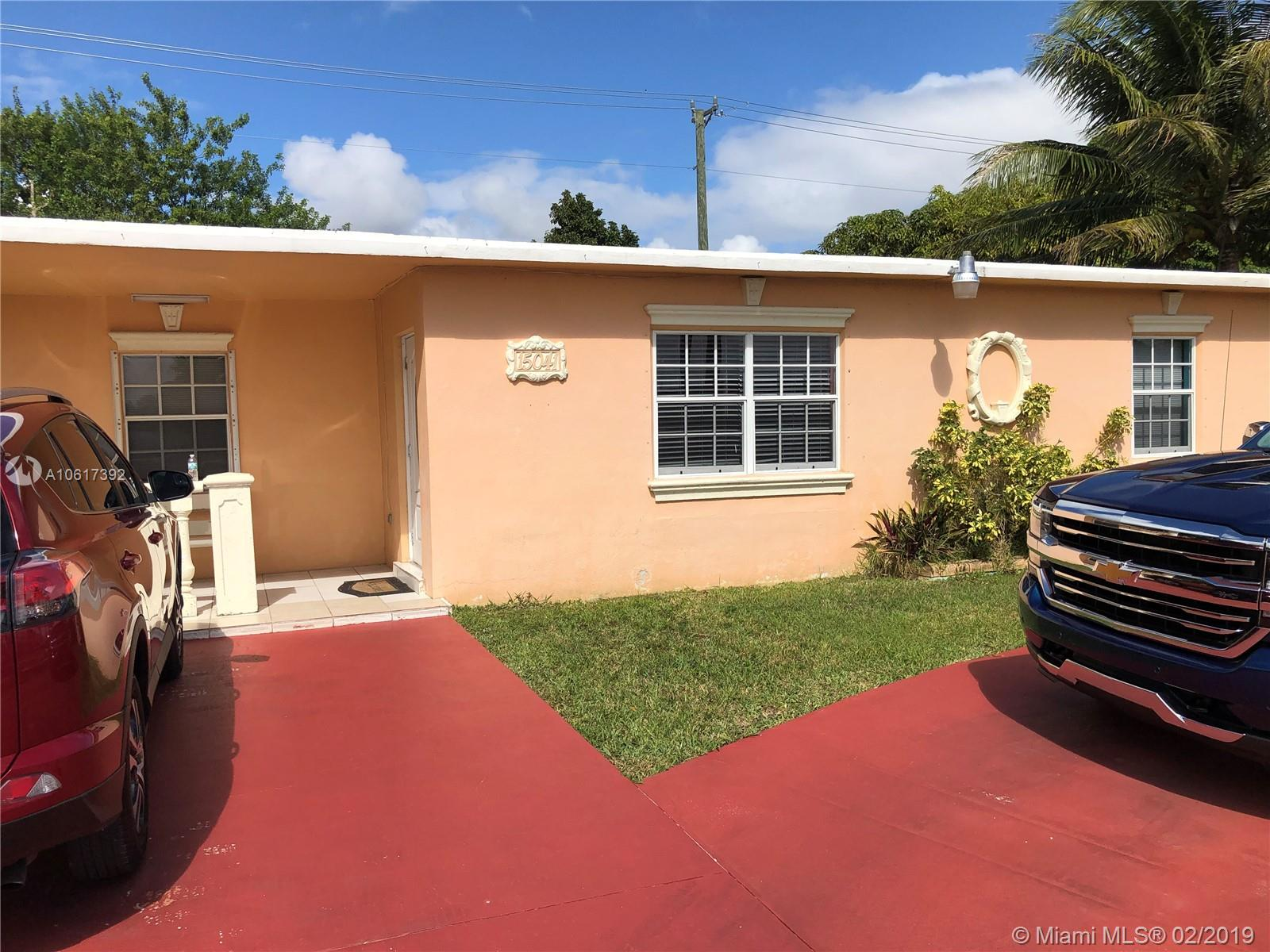 Great Starter Home On Oversized Lot, Priced To Sell Fast!!!!, Convenient Location, Close To The Florida Turnpine, Schools, Shops And More. No Hoa, Dont Disturb Owners.