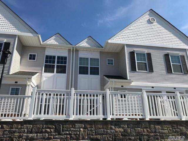 2 Year Old Condo*Luxury 2Br With 2 Baths Terrace, Community Pool, Balcony, And Gym And Personal Elevator. Granite Eik, Hardwood Floors, Handicap Accessible, Lots Of Closets, 62 And Over Development