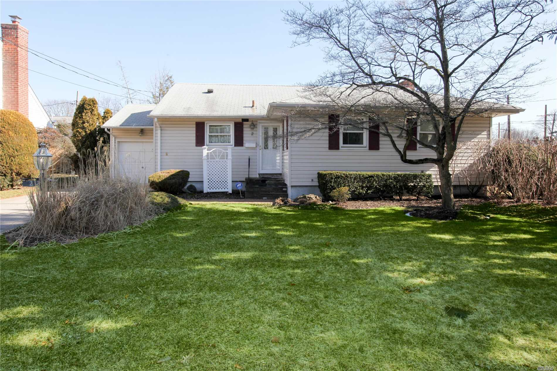 Pristine And Clean Describe This 3 Bedroom Ranch. This Home Has Been Well Cared For And In The Heart Of Syosset. Large Sunlit Rooms, Gleaming Hardwood Floors And A Full Finished Basement With A Separate Utility/Laundry Area. Large Private Backyard With Room For A Pool. Great Starter Or Downsizer Home. Near Shopping, Restaurants And Train.
