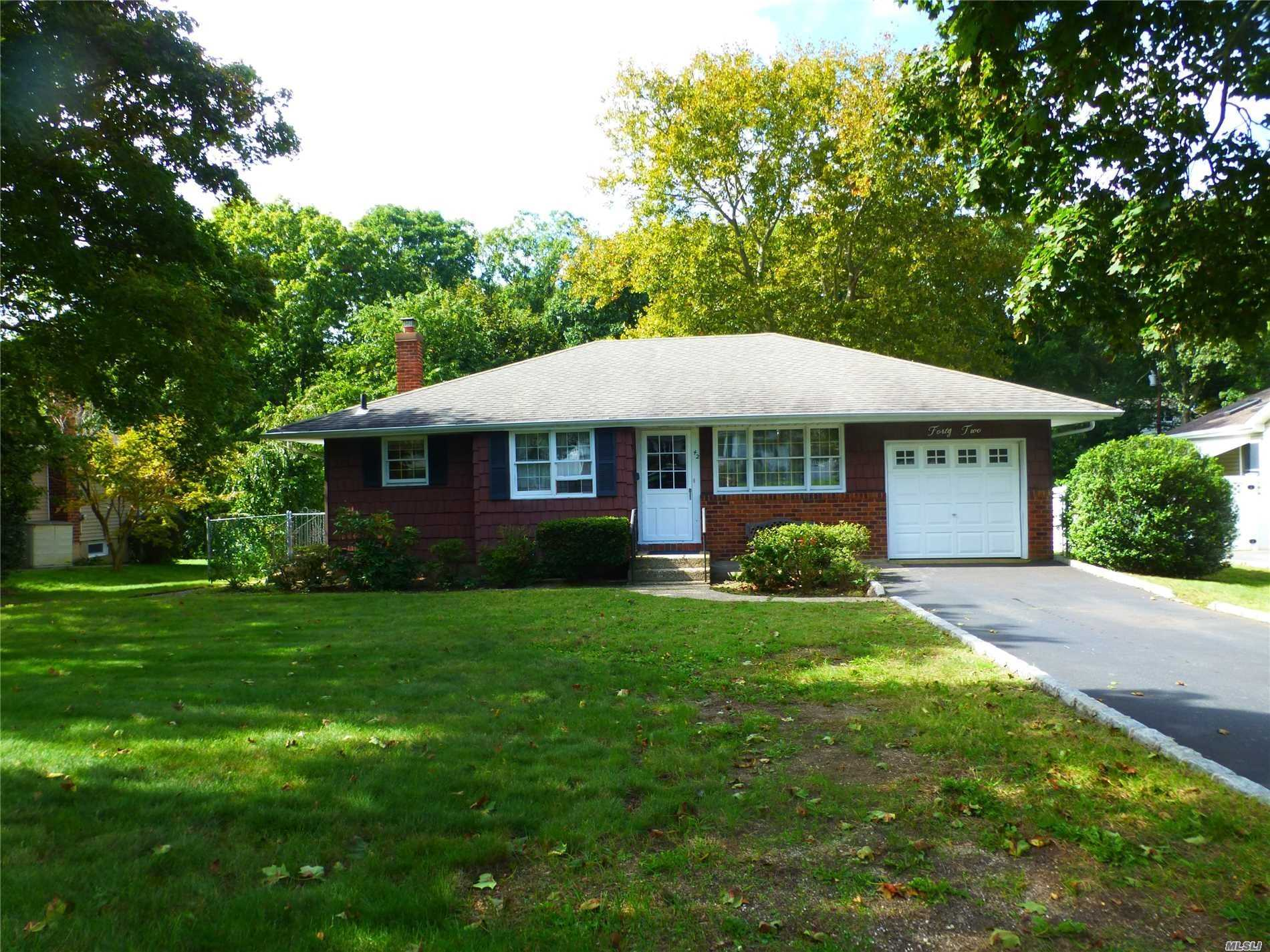 Original Owner, Well Maintained Home With Large Private Yard .32 Acre In Desired College Section. Updated Arch. Roof 2004' Electric 200 Amp. S.S Appliance Stove (2Yr) Peerless Furnace, Blown In Insulation, Gas Hookup To House Great Home In Great Neighborhood.