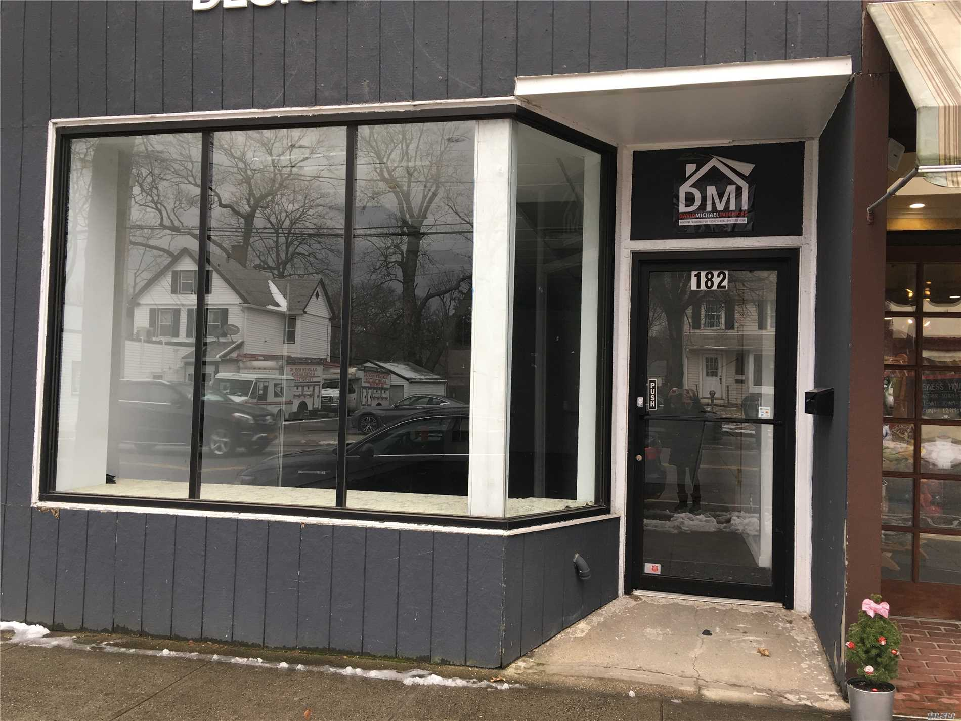 Fabulous Main Street Store. Approximately 1000 Sf Of Prime Space Located Near Several Busy Restaurants. Additional Basement Space. Tenant Pays Pro Rata Share Of Increase From Base Of Real Estate Taxes.