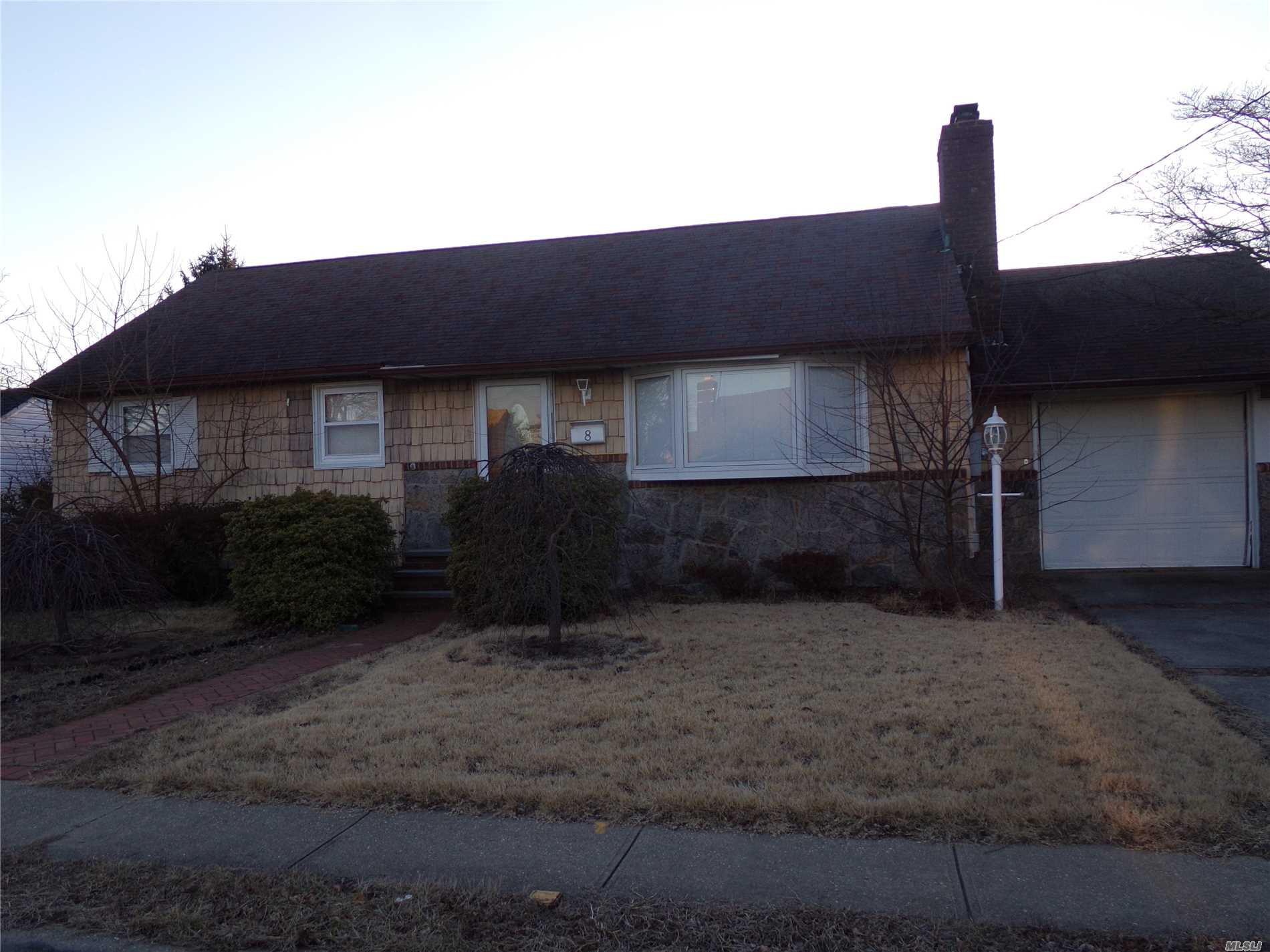 Calling All Investors/Builders.House In Need Of Total Rehab.Nice 75 X 100 (7300 Sq Ft) Lot To Build On.Being Sold As Is .Cash Offers Only.Very Convenient To Train Station, Parkways, Shopping, All.House Already Has Gas & Faces East.Low Low Taxes!!