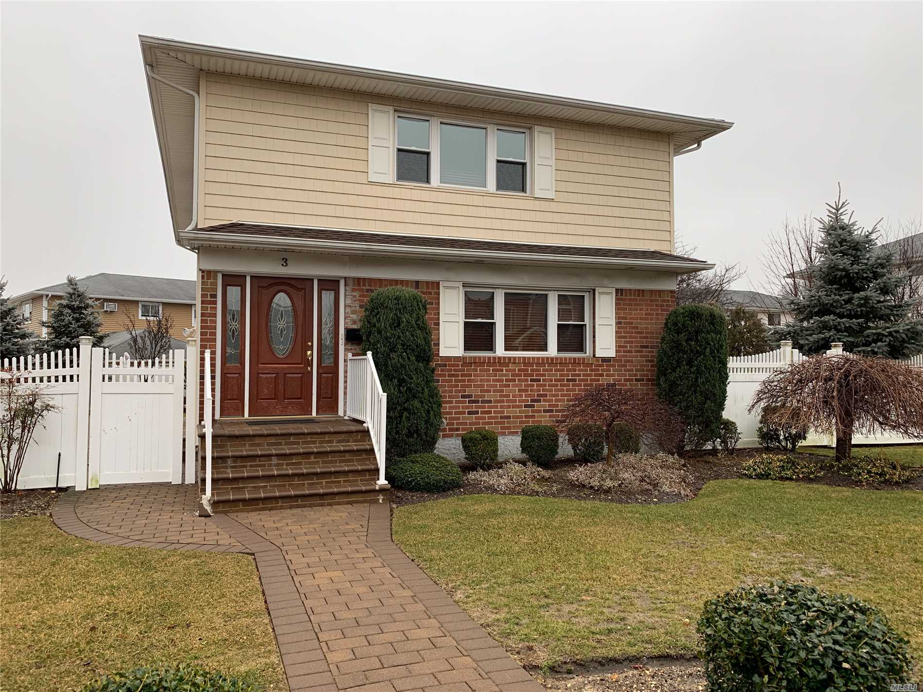 Completely Updated 3 Br 1.5 Bath Apartment On Main Floor. Master Br With .5 Bath. Use Of Yard. Rent Includes Gas For Heat And Cooking, And Water. Tenant Responsible For Electric (Separate Meter) And Cable. Close To All.