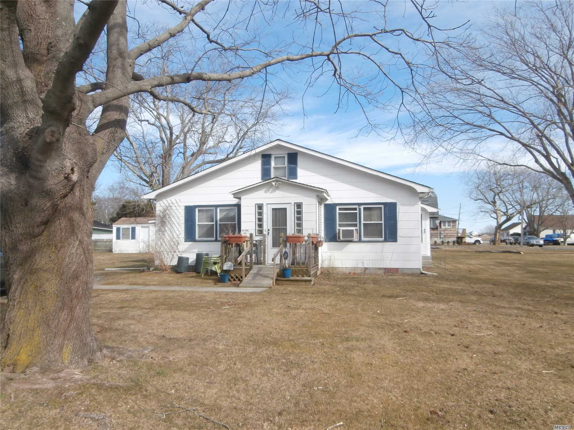 2 Bedrooms/1 Bathroom Ranch Situated On 100X100 Corner Property. Many Possibilities - Year Round Living Or Summer/Weekend Get-A-Way Or Great Investment Property. Low Taxes. William Floyd School District.