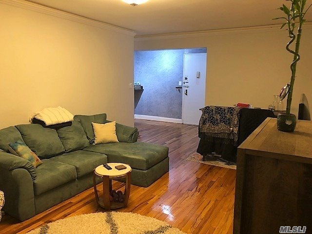 Great 1 Bedroom Apartment. Gorgeous Granite Kitchen And Full Bath. Gleaming Hardwood Floors, Large Living Room And Dining Room Combo, Plenty Of Closet Space, Large Windows, Bright, Sunny And Spacious. Near All Transportation And Markets. Washer And Dryer In Building. All Utilities Included Except Electric. Location Location Location. Application, Income And Credit Check Required. Must See !!!!