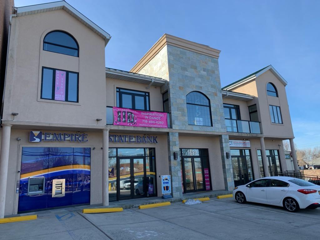Great for Daycare- Commercial space for lease. 1500 or 3000 sq ft. 2nd floor elevator building. Office, school, daycare. Hi visibility, transportation & close to expressway. Private parking for 4 cars. Call for details.