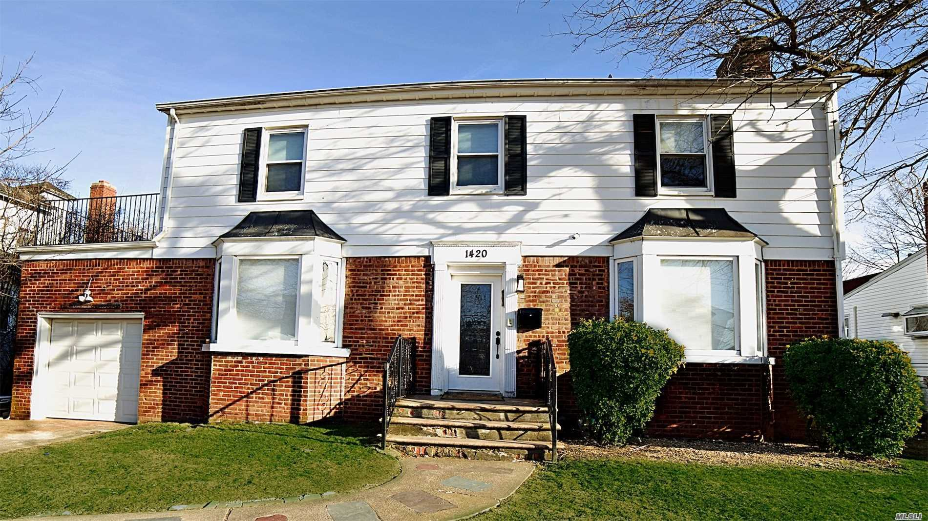 Excellent Condition House On Oversize Property. Hardwood Floors Through Out . Formal Dining Room And Huge Open Concept Kitchen. Large Formal Dining Room And Formal Living Room. 0.5 Bath. 4Br On The 2nd Floor And 2 Full Bath.