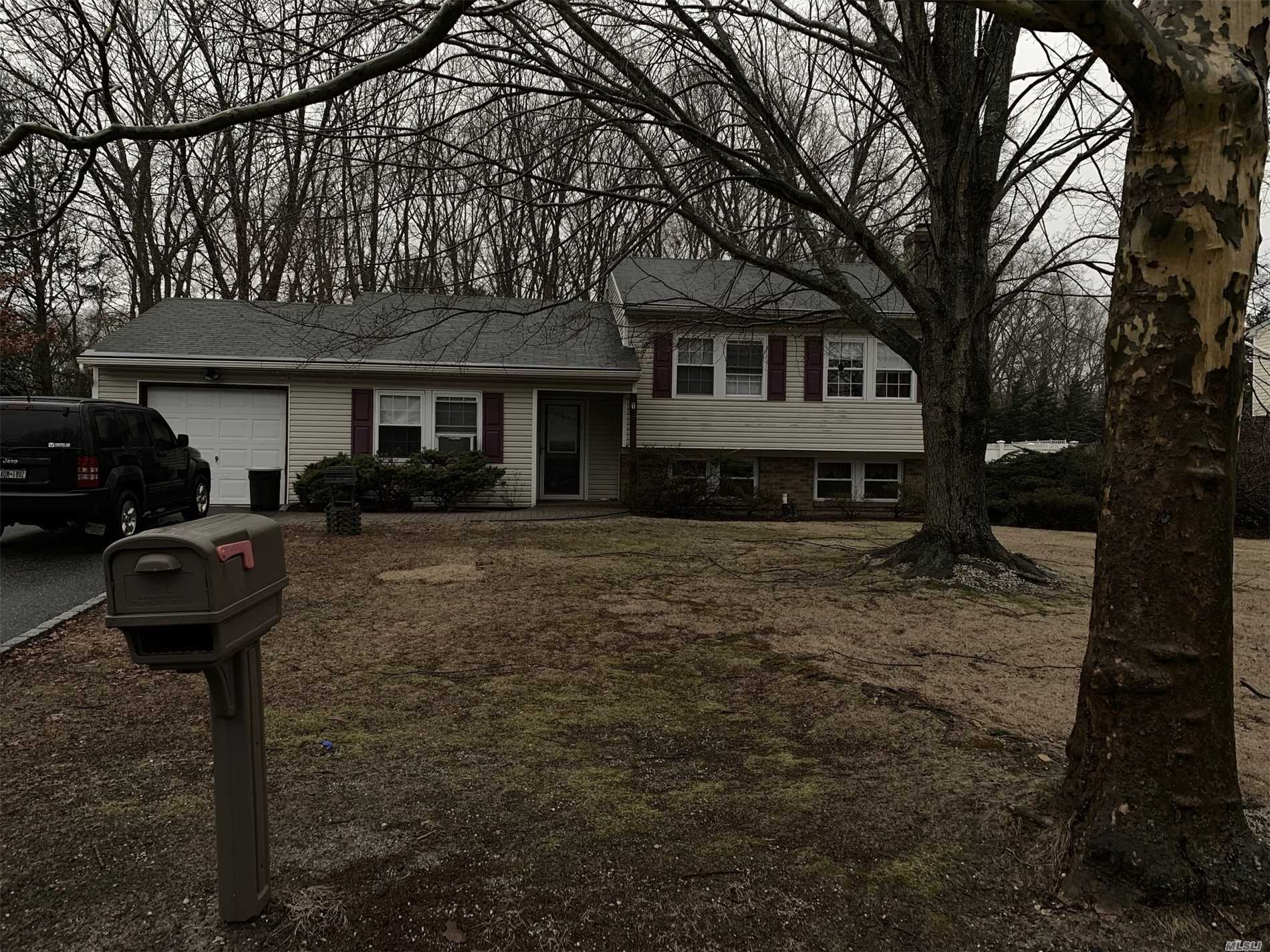 Well Kept 3 Bedroom, 2 Full Bath In A Great Location. Den With Fireplace .(Bar Not Staying), Workout Room Or Office,  Master Bedroom Has Full Bath . Large Private Yard For Entertaining . Easy To Show With Notice