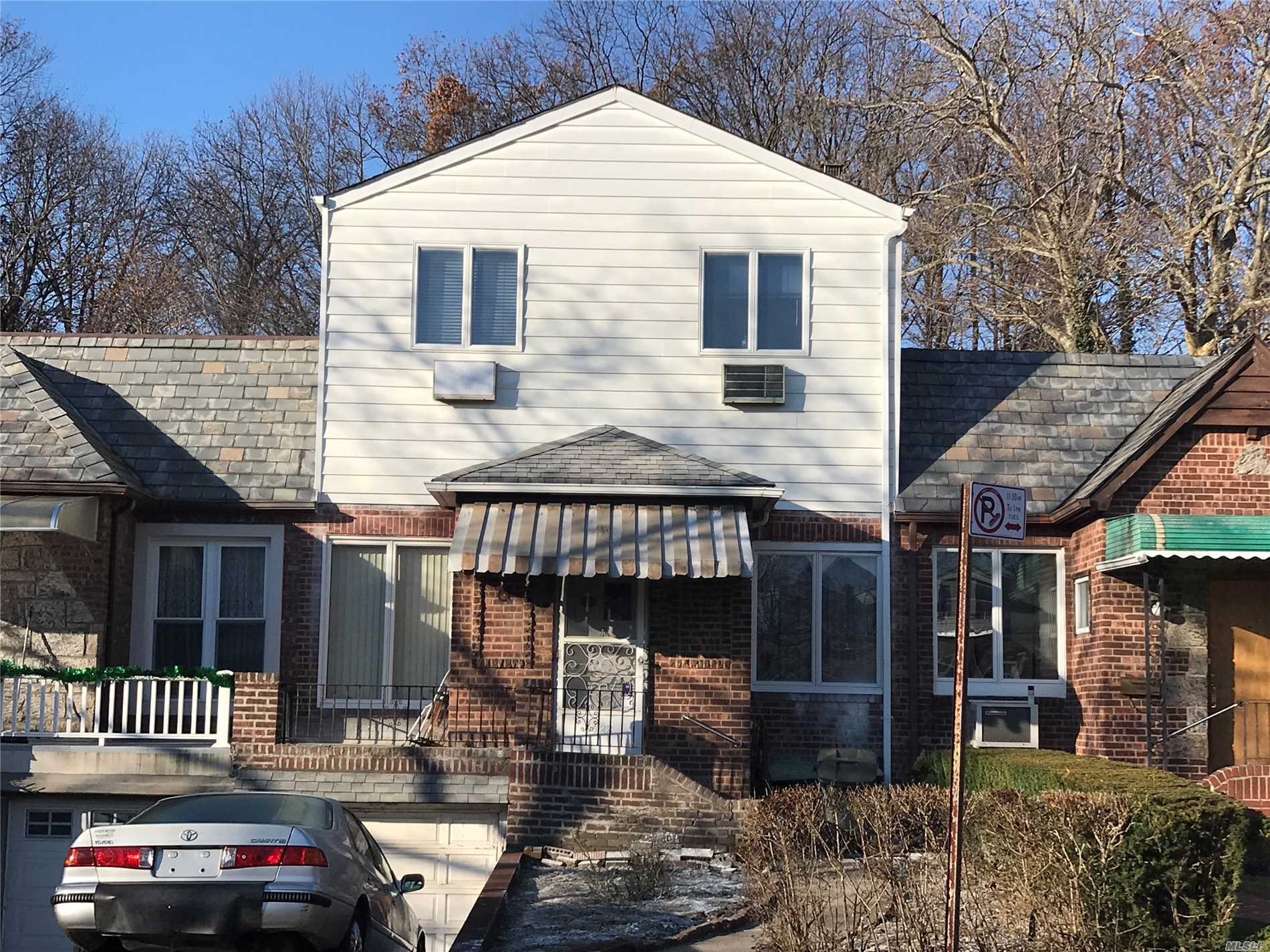Large Newly Built And Stunningly Designed 2 Story Home 4 Br, 2 Bath With A Private Backyard In The Heart Of Forest Hills Lot 22'X100' Building Size 22'X43' Close To Shopping And Transportation. Ps 174