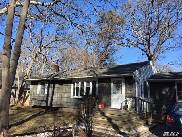 Cute, Clean, Ranch On Pretty Tree Lined Street. New Cesspool & Freshly Painted Kitchen. Fireplace In Formal Dining Room. Wood Floors Throughout. Perfect Starter Home Or A Great Choice To Downsize! Looking To Invest? This Would Be A Great Home To Get Started.