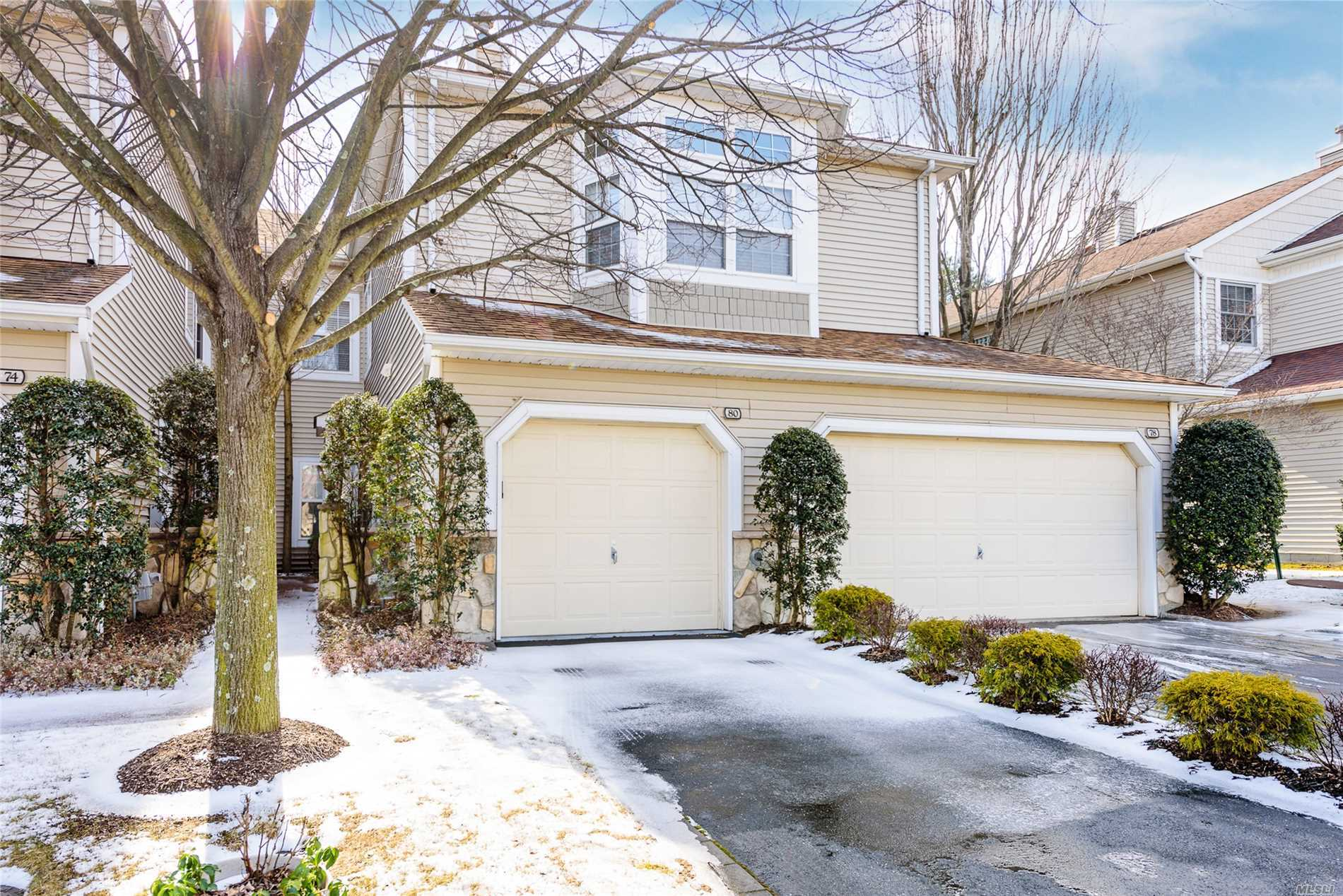 Luxury Living In Olde Oyster Bay Hamlet Gated Community. Beautfiul Light And Bright End Unit Modern Home Open And Spacious, Generously Proportioned Rooms. Spacious Master Suite Plus A Large Ensuite 2nd Bedroom. Custom Closets, Hardwood/Ceramic Floors, Crown Moldings And Custom Window Treatments. Amenities Include Indoor/Outdoor Pools, Restaurant, Gym, Card Rooms And More!