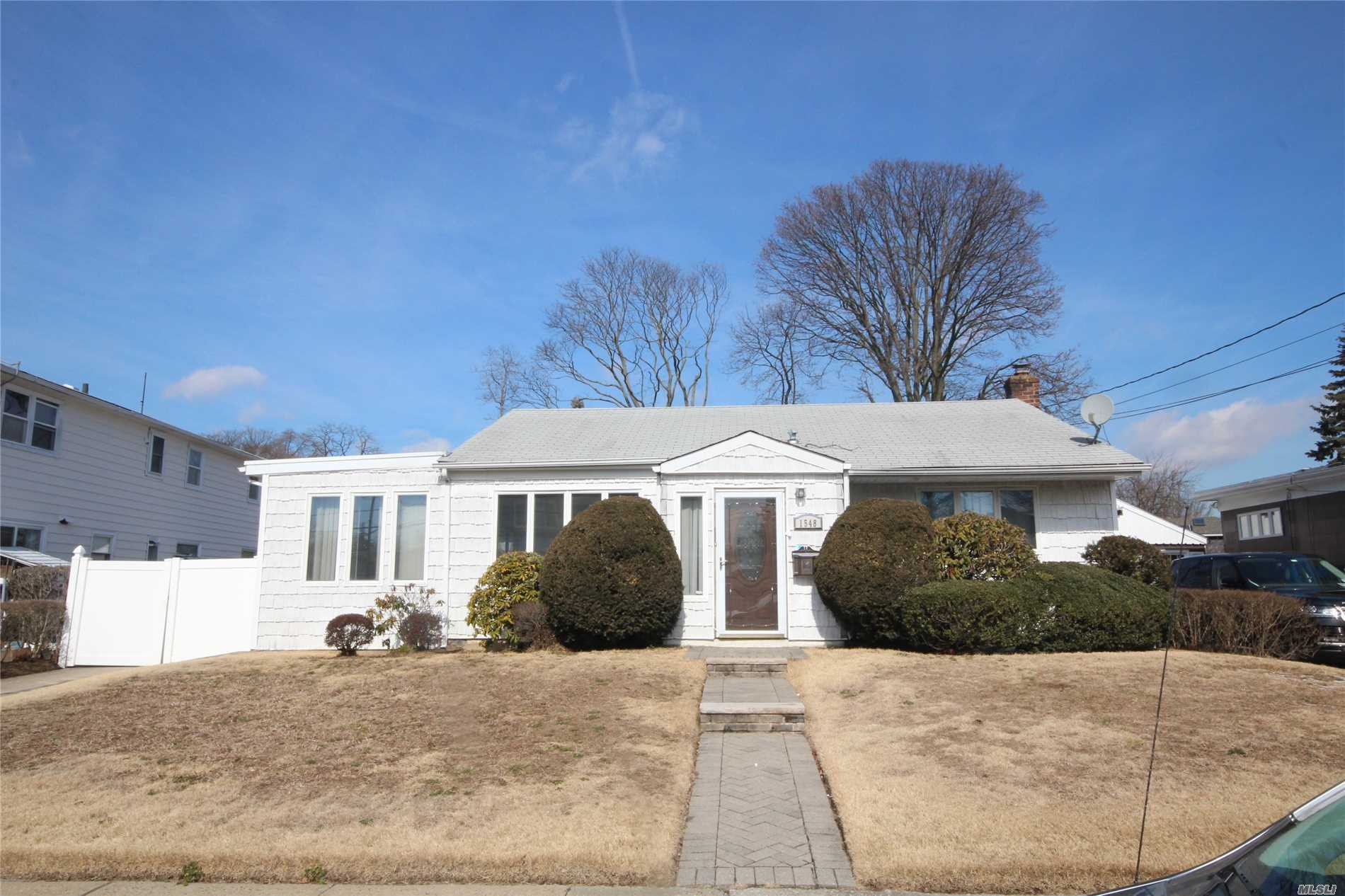 Detached Single Family Ranch Styled Home With Private Driveway, Detached One Car Garage, And Fully Finished Basement. The Property Features A Living Room/Dining Room Combination, Eat In Kitchen, Three Bedrooms, And Two Full Bathrooms.