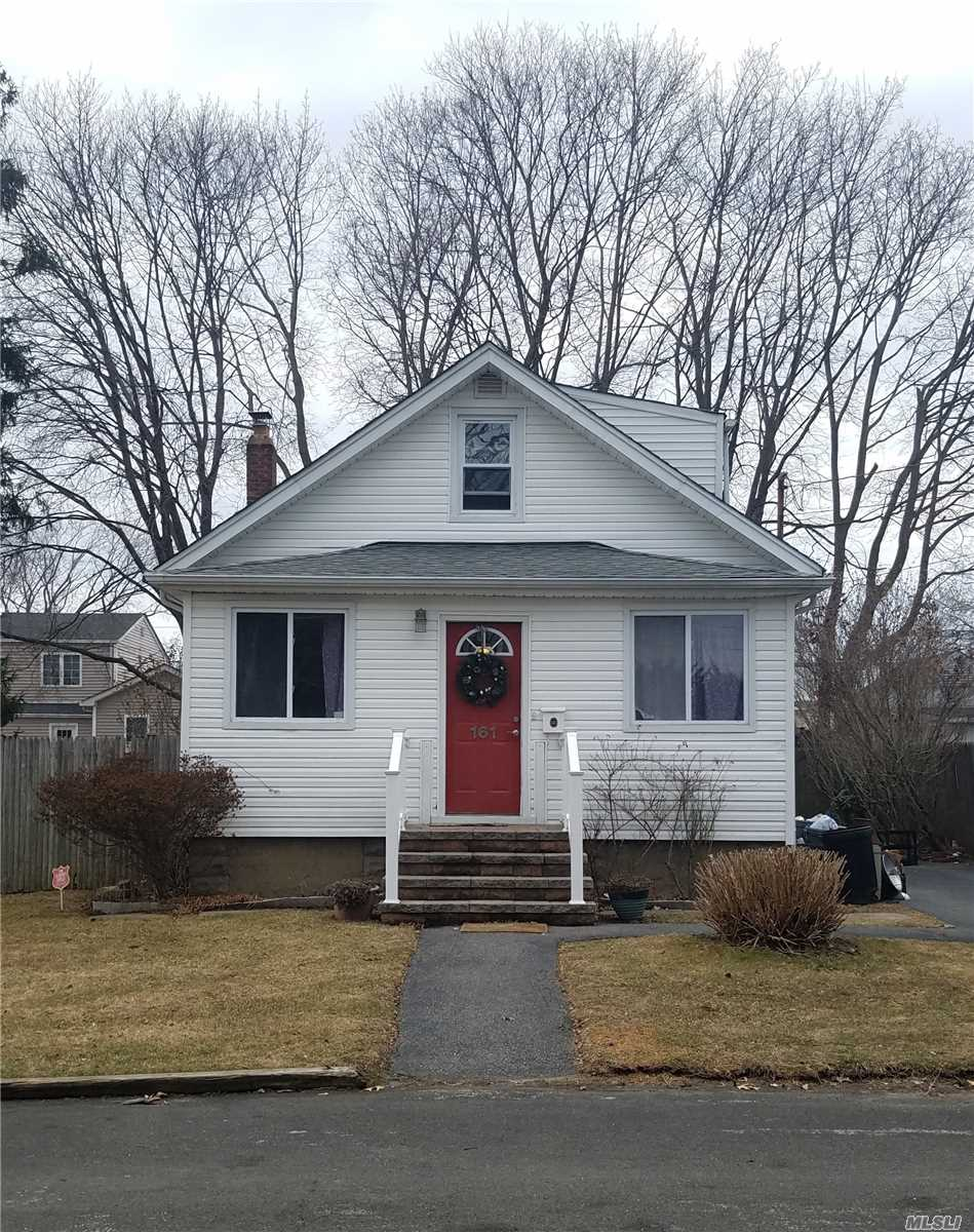 Beautiful 2 Bedroom 2 Bath Cape With Open Floor Plan 2 Bedrooms Upstairs With Full Bath Full Bath On Main Level With Open Kitchen Living Room Partial Finished Basement
