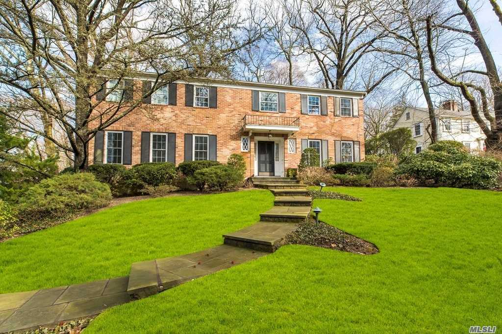 Classic & Stately 6 Bedroom 1969 Ch Colonial Located In Sought After Village Of Plandome Offers Over 3127 Sq Ft To Make Your Own! Spacious Principal Rooms And Large Property,  Make The Options Truly Endless To Reinvent This Classic Home On .40 Acre . Walk To Train .