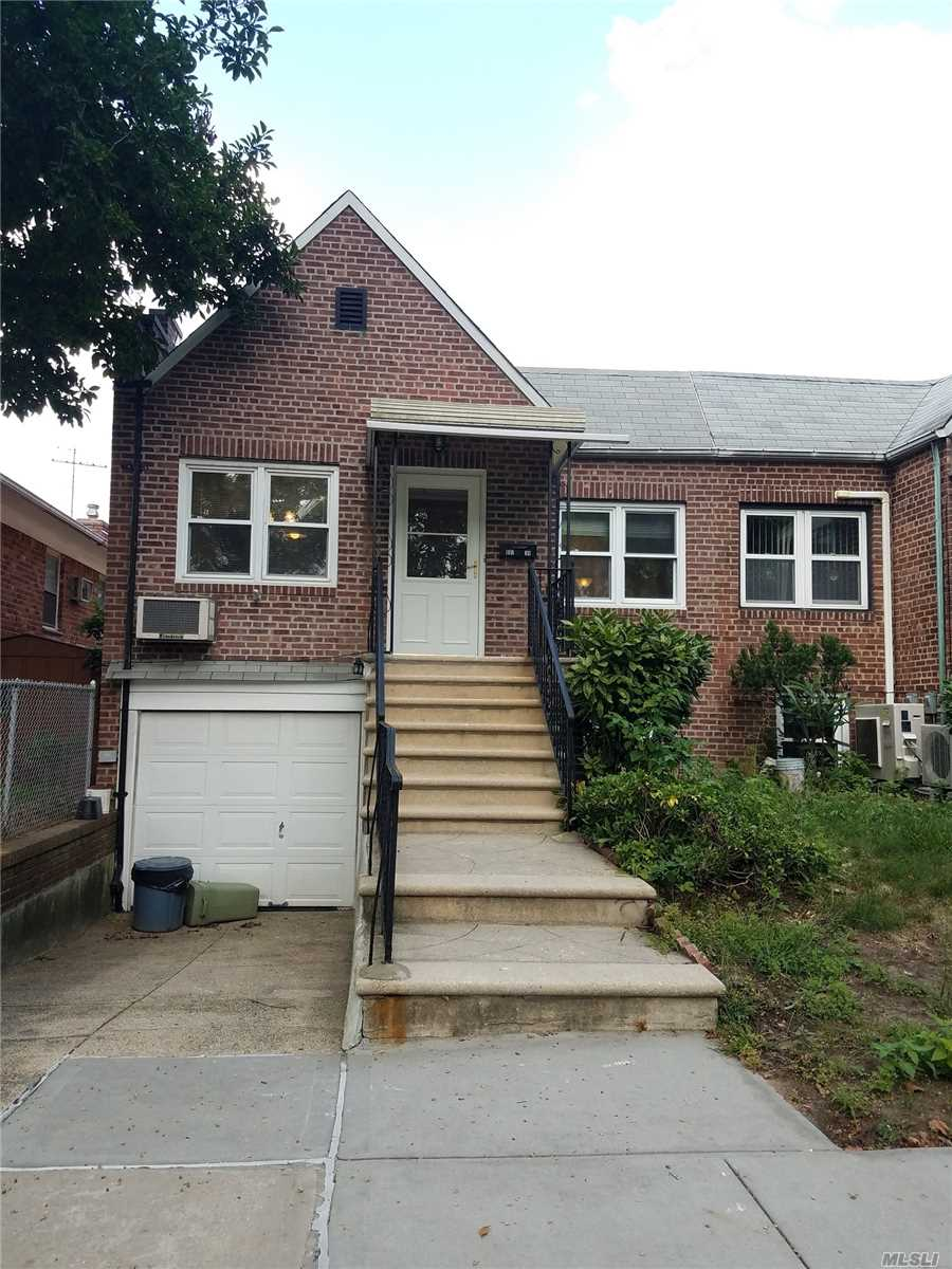 Town House Renovated, 2 Block From Brown Park............ Quiet And Comfortable Area,  Garage With Dr/Way $150 Addition.