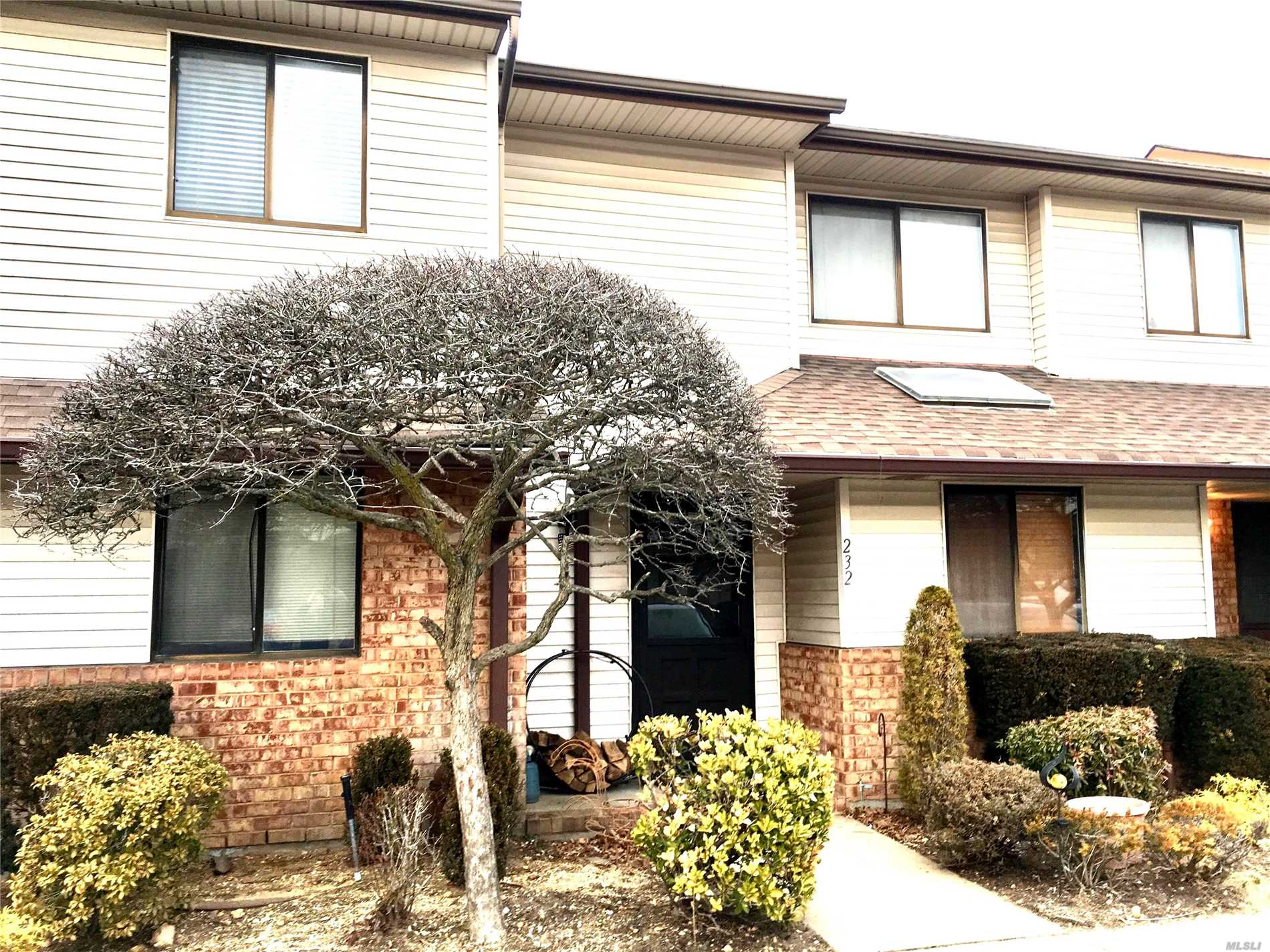 2 Bedroom Townhouse.Condo* 1.5 Baths* Pool, Tennis Courts*, Clubhouse*Ample Parking, One Designated Spot* Gated Only On Wantagh Ave* Walk To All Shopping* 1/4 Mile To Parkway* 20% Down (Pre-Approval Needed) Clubhouse,