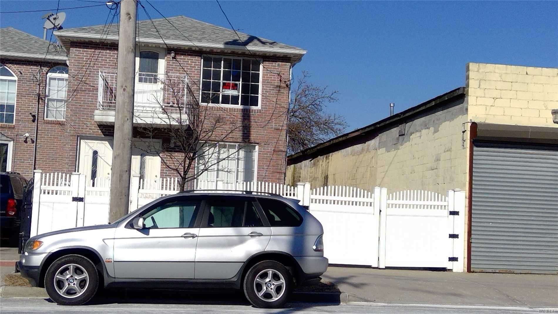 Fully Renovated New Stove, Master Bathroom With Jacuzzi, And Balcony. Three Blocks From A Train And Bus Q52, 1 Block From Q22. Close To Banks, Laundry, Supermarket, Three Blocks From Arverne By The Sea.
