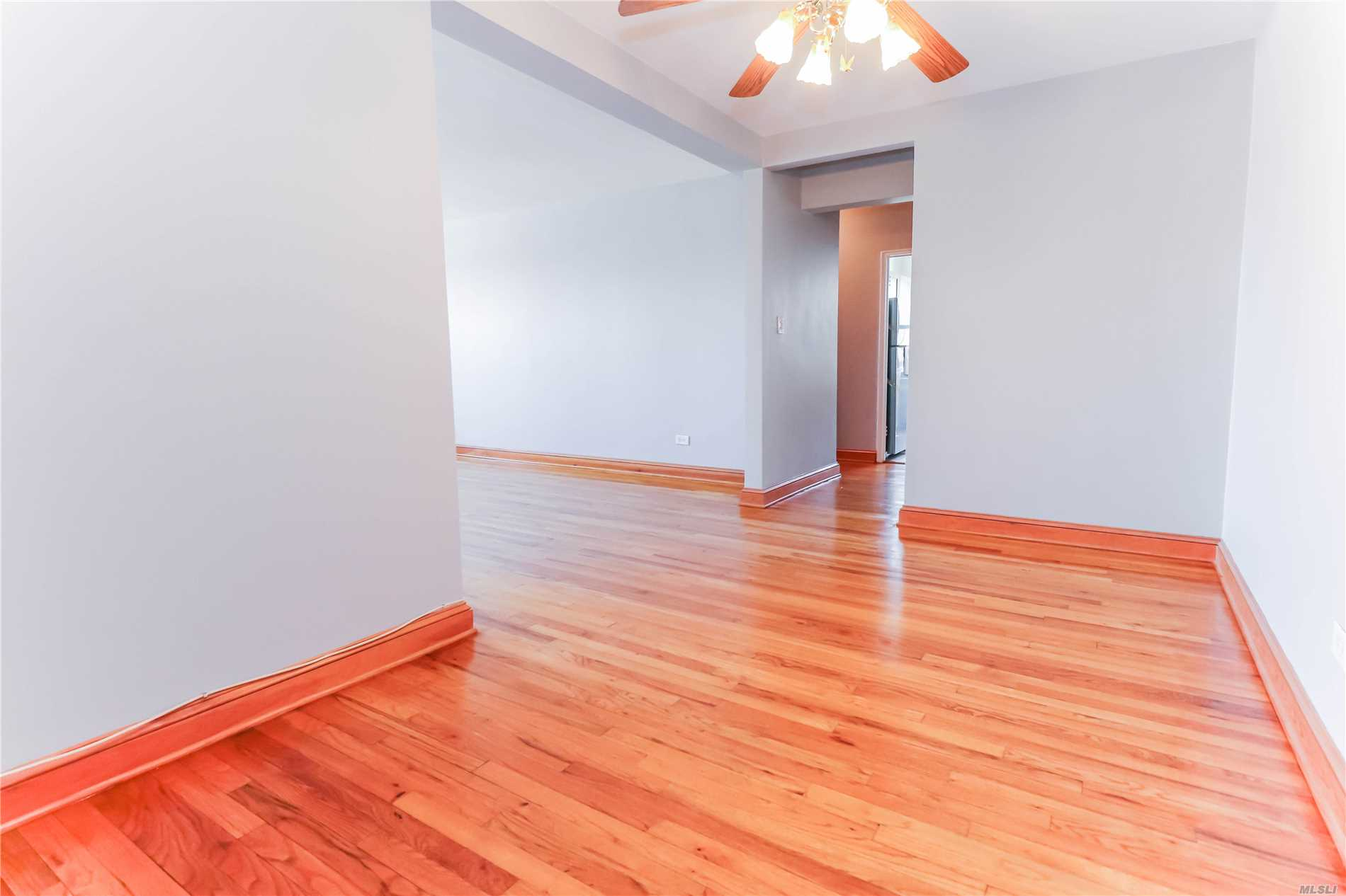 Large 1 Bedroom, For A Buyer Looking For Bright And Airy Unit Brand New Appliance, Newly Painted Benjamin Moore, Newly Stained And Polyurethane Floors, Bath Room and 3 Years Young, High and Bright Floor, Come before it too late.