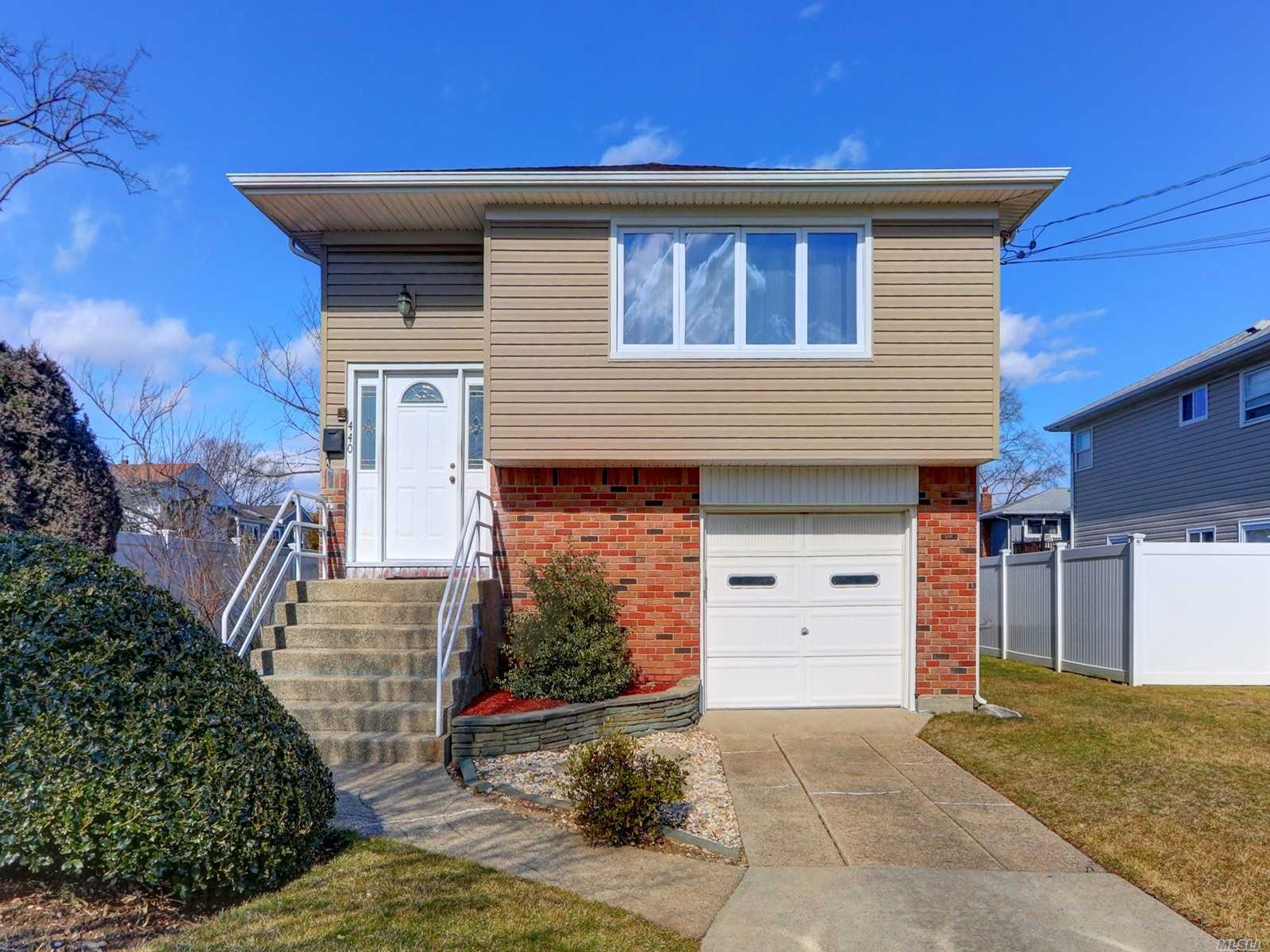 Hi Ranch In The Exclusive Ocean Harbor Development Of Oceanside On Dead End Street Just 4 Blocks To The Lirr (42 Min To Penn Station). Immaculate Home With Hardwood Floors Under All Carpeting Upstairs - Never Exposed! Great Location, Great Yard, Super Low Taxes And Low Flood Insurance. Amazing School District And Just 5 Miles To The Beach!
