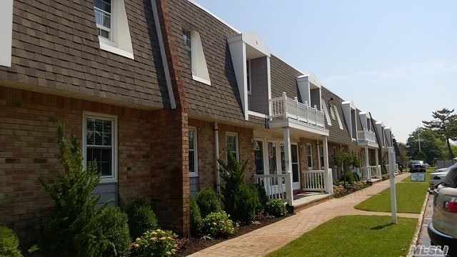 Waterfront Community W/Spacious Studio, 1 & 2 Bedrooms. Private Entries, Tuscan Kitchen W/Stls Stl Appliances Including Dishwasher, Heat & Hot Water. Window Treatments.Laundry Facility. Individual Patios & Terraces. Tennis Court. Boat Docking Available. Convenient To The Lirr. Pet Friendly!