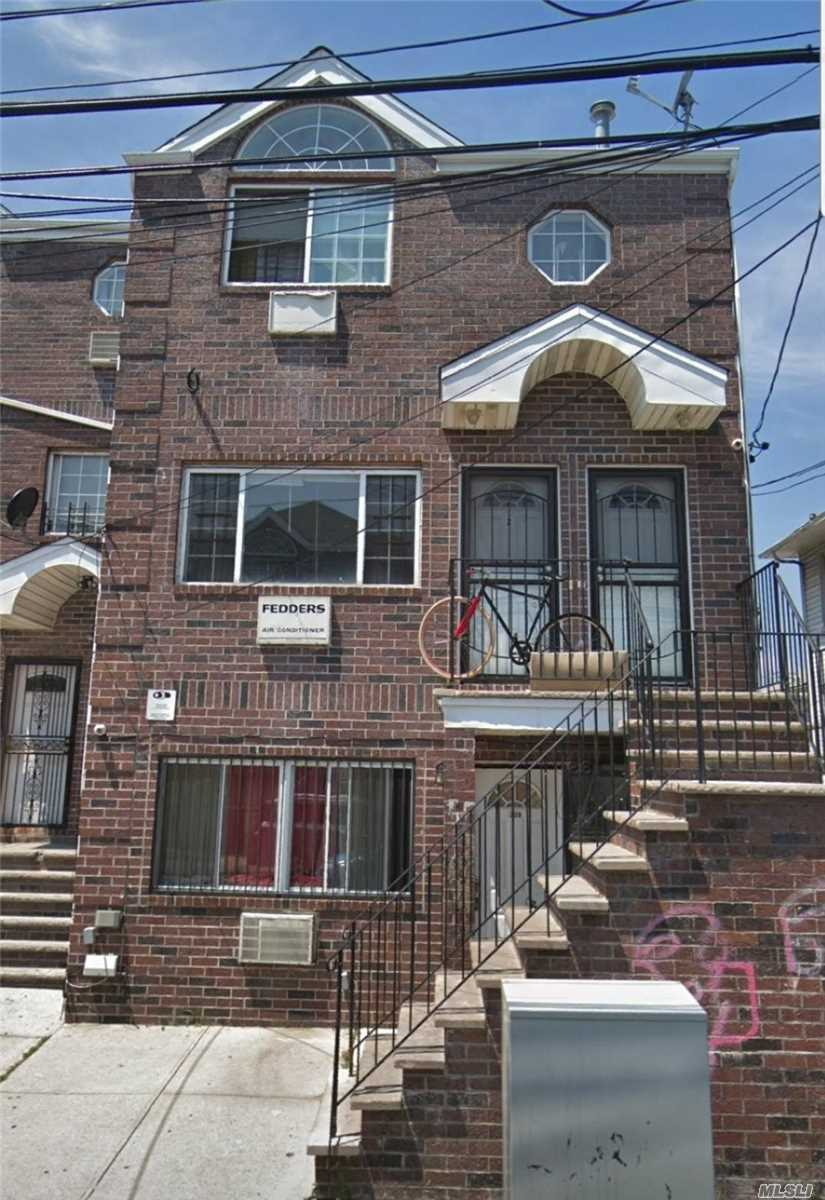 3 Bedroom Apartment In Far Rockaway On A 1st Floor. Close To A Train
