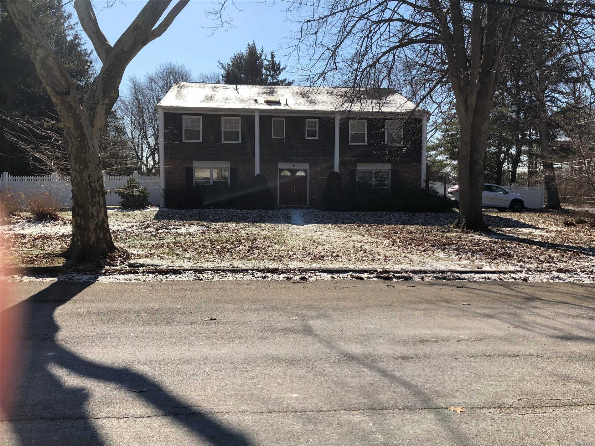 Mint Colonial . Wont Last Major Opportunity In Desirable School District. This Is The Deal You Were Waiting For !!