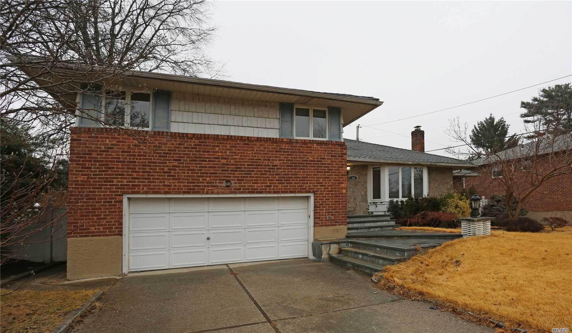 Brick, Split Home With 4 Bedrooms And 3 1/2 Baths In Birchwood Park Section . Large Master Suite On The First Floor With Large Master Bath. New Kitchen Appliances. House Has Great Potential. Must See1