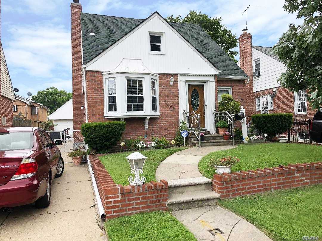 Must See! Beautiful House With Double Pane Windows, Four Bedrooms, Living Room, Formal Dining Room, Eat In Kitchen And Private Yard. Prime Location!! Near Supermarket, Stores, Parks And Public Transportation.