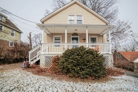 Five Bedroom Colonial Nestled In Thomaston. Master Suite With Private Balcony & Four Additional Bedrooms. Main Level Offers Eik, Formal Dr, Parlor,  Great Room With Packet Doors To Private Study. Picture Perfect Guest Bath. Great For Entertaining- Huge Deck In Backyard With Terrific Yard & Great Front Porch