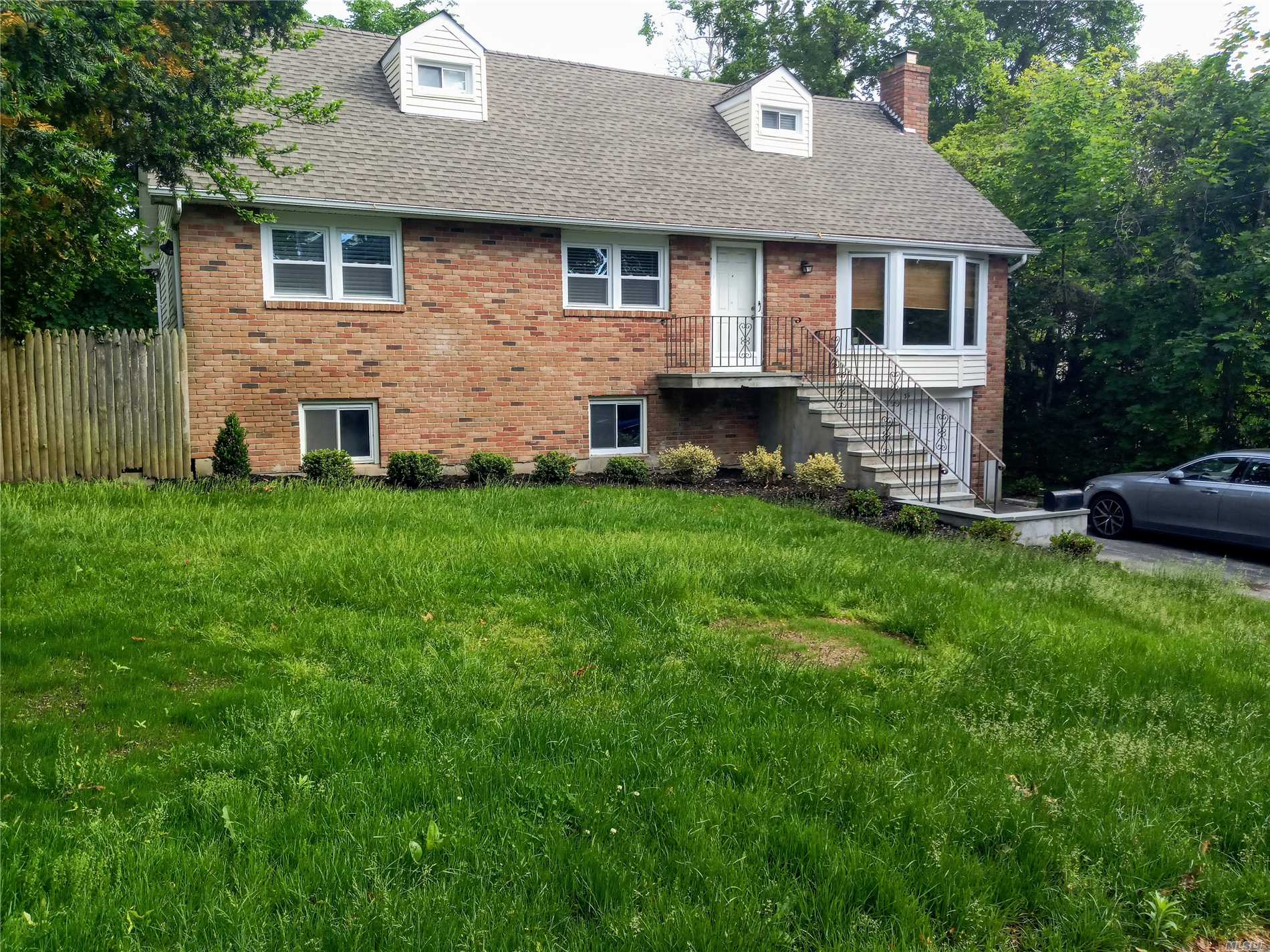 Updated House For Rent , Spacious And Bright, 5 Bedrooms, 2 Baths, Lrm/Fp, Drm, Great Kitchen., Updated Deck. 1 Car Garage
