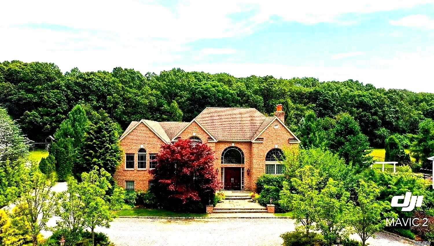 Exquisite 2 Story Grand Foyer Entrance Home On Premium Lot, Desirable Half Hollow Hills Sd. Vaulted & Coffered Ceilings Throughout. 6 Zns For Heat And A/C. Radiant Heat W/4 Zns. Ellliptical Sliders & French Doors. Sub Zero & Thermador Apls,  . Main Fl Has Wet Bar & Light Schemed Settings . Grand Master Br, Expanded Mstr Bth. 400 Amp Electric, 2 Hw Heaters/190 Gal.French Drains, 2nd Fl Lndry Rm, Salt Water Pool W/Jacuzzi & 3 Waterfalls. Too Many Upgrades To Mention, Call 4 Details!