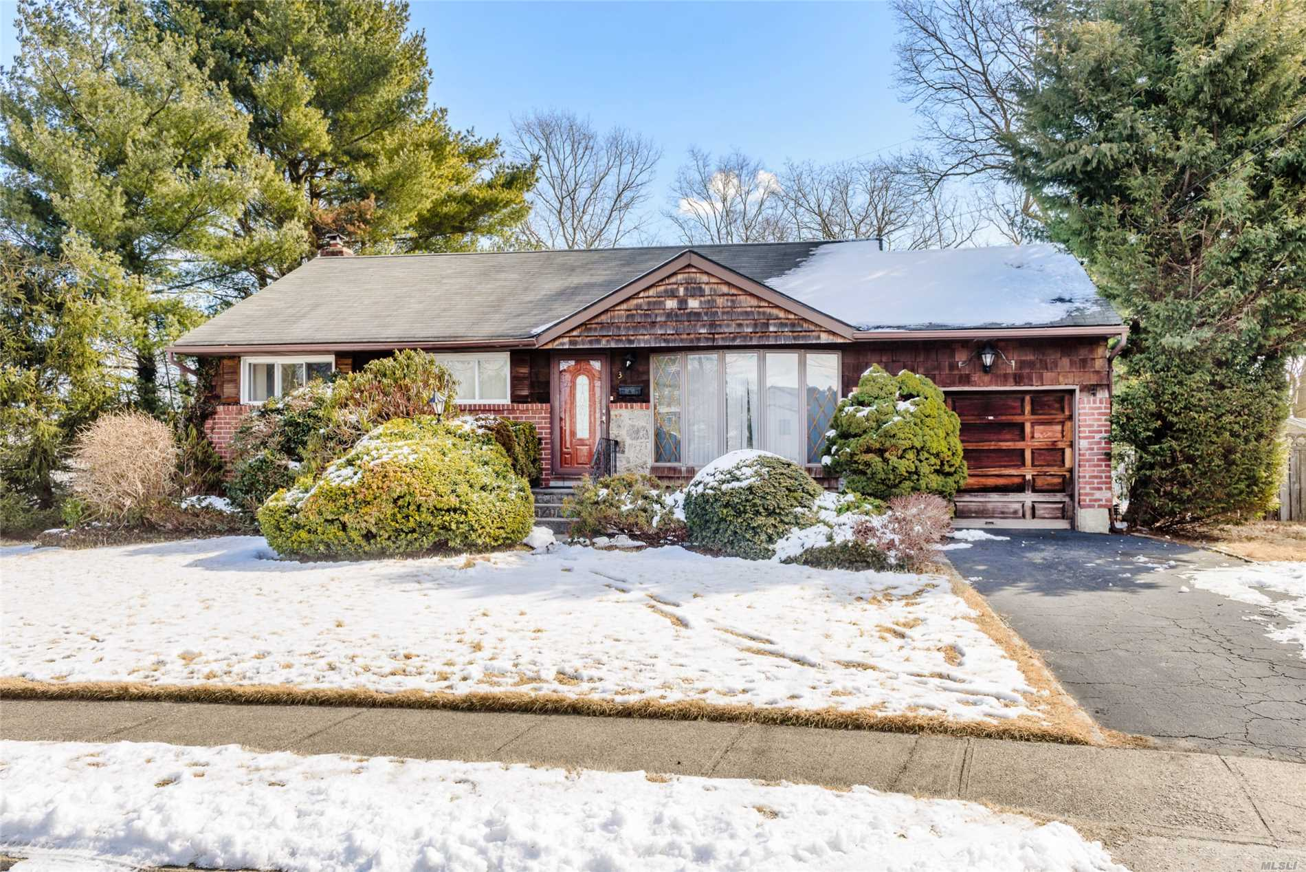 Calling All Builders And Investors!! Amazing Opportunity In Desirable Old Bethpage. Sold As Is This Ranch Home Is Close To Parkways, Shopping, Bike Paths And State Parks.