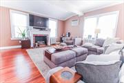 Lovely Colonial, Oversized 60X100 Property. Desirable Floral Park Sd#22, Nice Size Living Room, Fdr, Eik W/Sliding Door To Patio And Fenced In Yard. Harwood Floors, High Ceiling, Crown Moldings. Above ground pool Walking Distance To Lirr, Shopping And Amenities