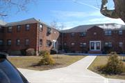 Nice 1Br Located In The Court Yard, Great Location.