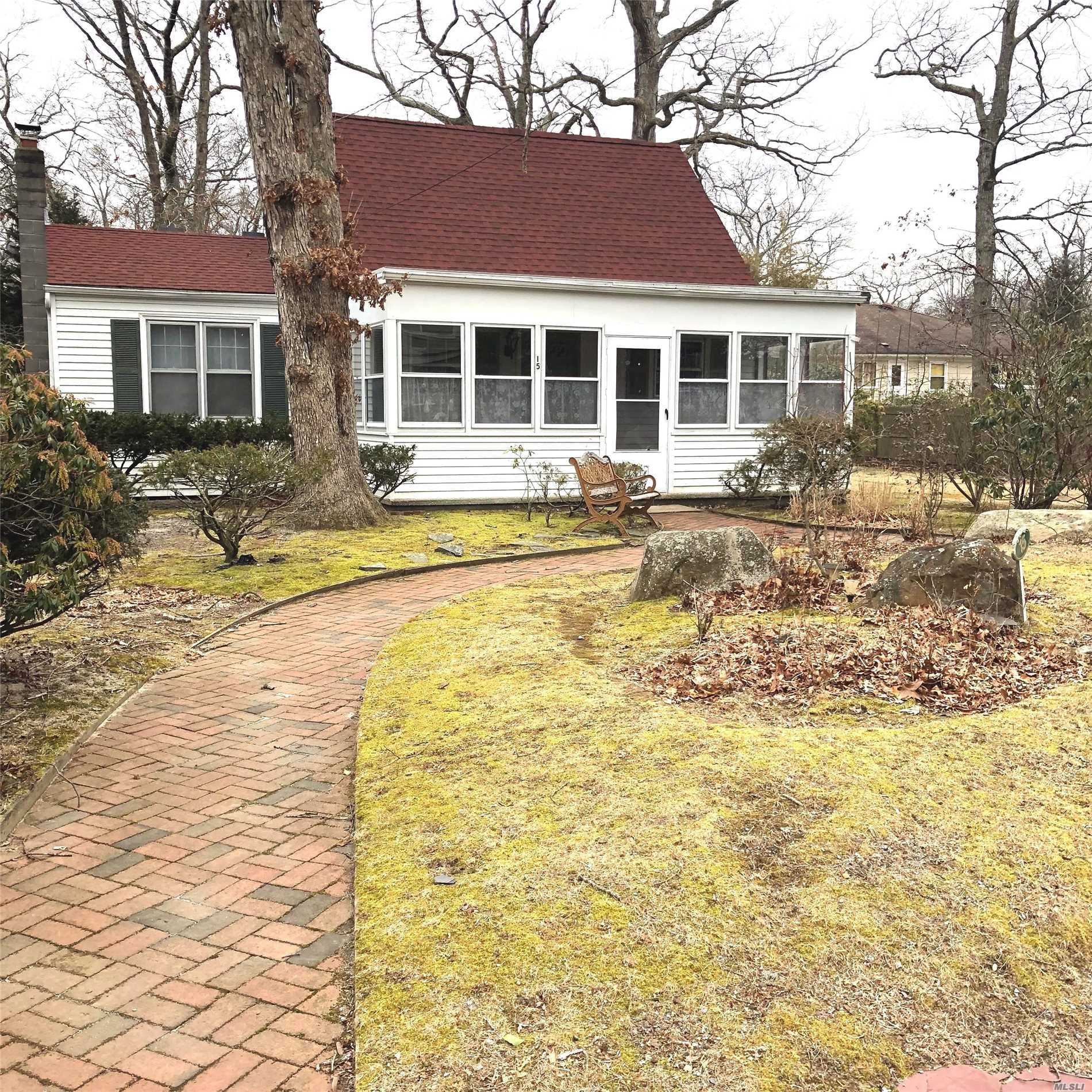 This Cozy Cottage In Bay View Pines Is A Fantastic Starter Home Or Summer Cottage! Close To Deeded Sandy Bay Beach And County Parks. New Roof Installed In 2018. 3 Season Front Porch. Nicely Sized Rear Deck And Shed. Master Bedroom On First Floor. Low Taxes! This Is Southamptons Best Kept Secret. Close To All The East End Has To Offer On Both The North And South Forks!