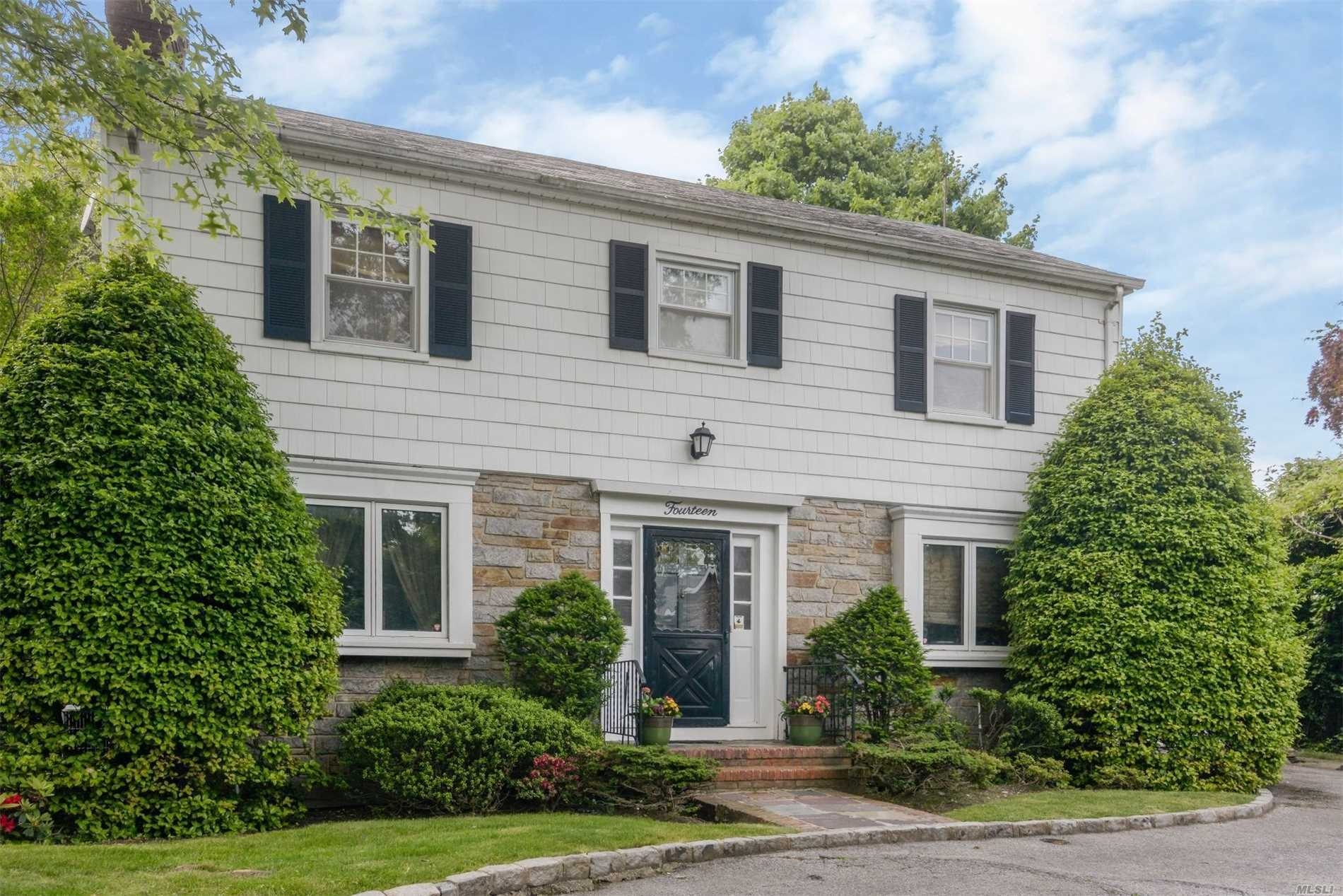 Rare Oversized Lawrence Property On Quite Dead-End St In Desirable Sutton Park Area! This Perfectly Situated Centerhall Colonial Residence Features 4 Bedrooms, 3 Bathrooms, Gracious Living Spaces & More. The Finished Basement Features A Large Room & Generous Storage. Double Lot Property.