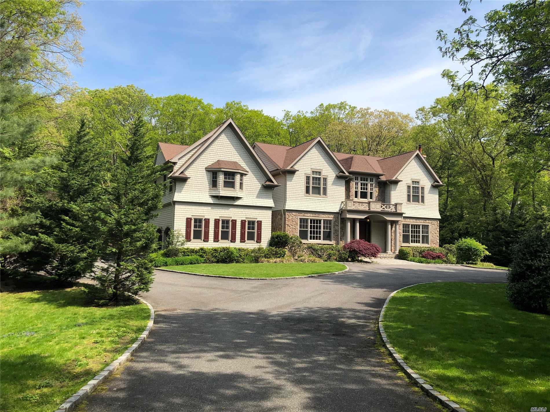 Great Colonial, Spacious And Bright, Gourmet Kitchen, Great Bathrooms, Spacious Bedrooms, High Ceilings, Cac, 3 Car Garage. Cold Spring Harbor School.