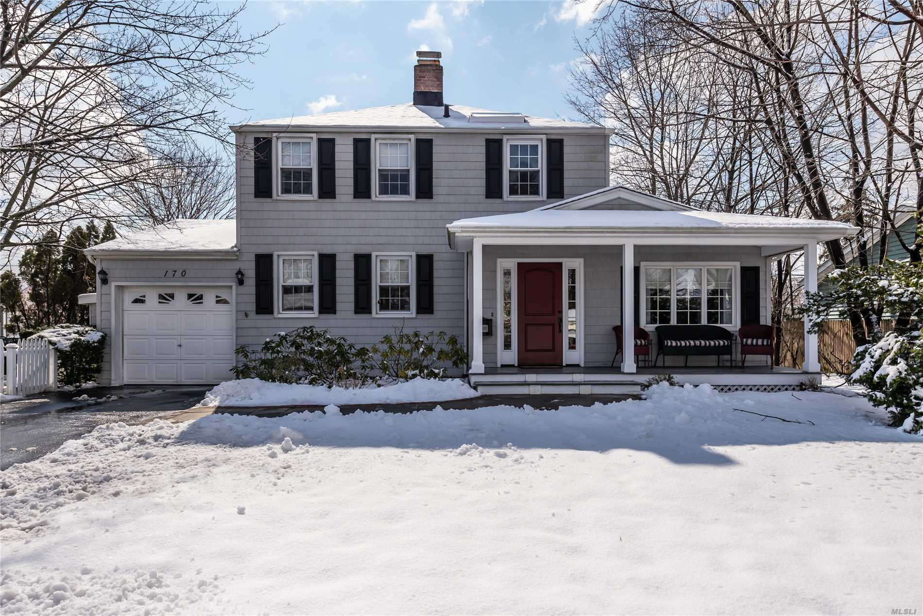 Pristine 3 Bedroom, 2 Bath Home In The Carle Place School District. Eat In Kitchen W/ Granite Counters And Ss Appliances. Living Room W/ Wood Burning Fp, Formal Dr, Den, Full Finished Basement, Garage, Front Porch, Close To Lirr, Highways And Shopping.