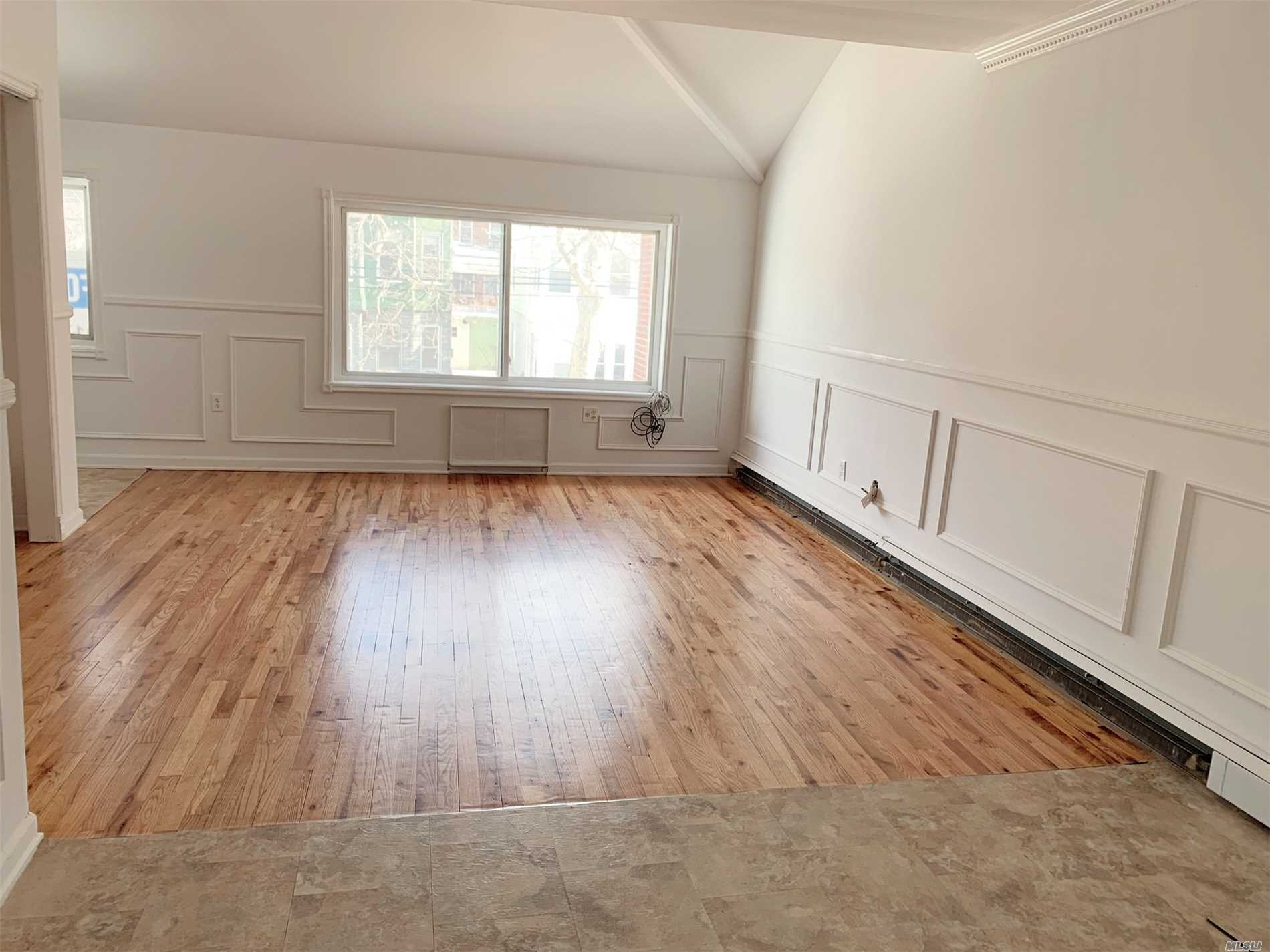 A Duplex Apartment in 2nd floor, 2 big bedrooms +1 master bedroom, spacious living room, dining room, Kitchen, brand new renovation!!!!! The upper level bedroom can see Manhattan view. one Assigned parking. Close To Bj, Target, 7/11, Pc Richard, Dunkin Donuts, and Restaurants. Tenant Pays Gas And Electricity. Easy showing!!!