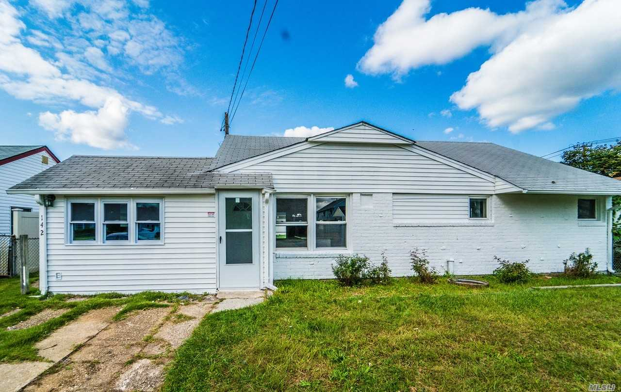 Opportunity To Own In Hicksville! Perfect Starter Home Or Investment With This 3 Bed Ranch In Central Hicksville Location! Recently Renovated Open Eik With Ss Appliances, Granite Counter-Tops, Large Den, Full Bath, Full Attic, Close To Transportation/Shopping/Schools/Houses Of Worship, Brick Construct., Must See!