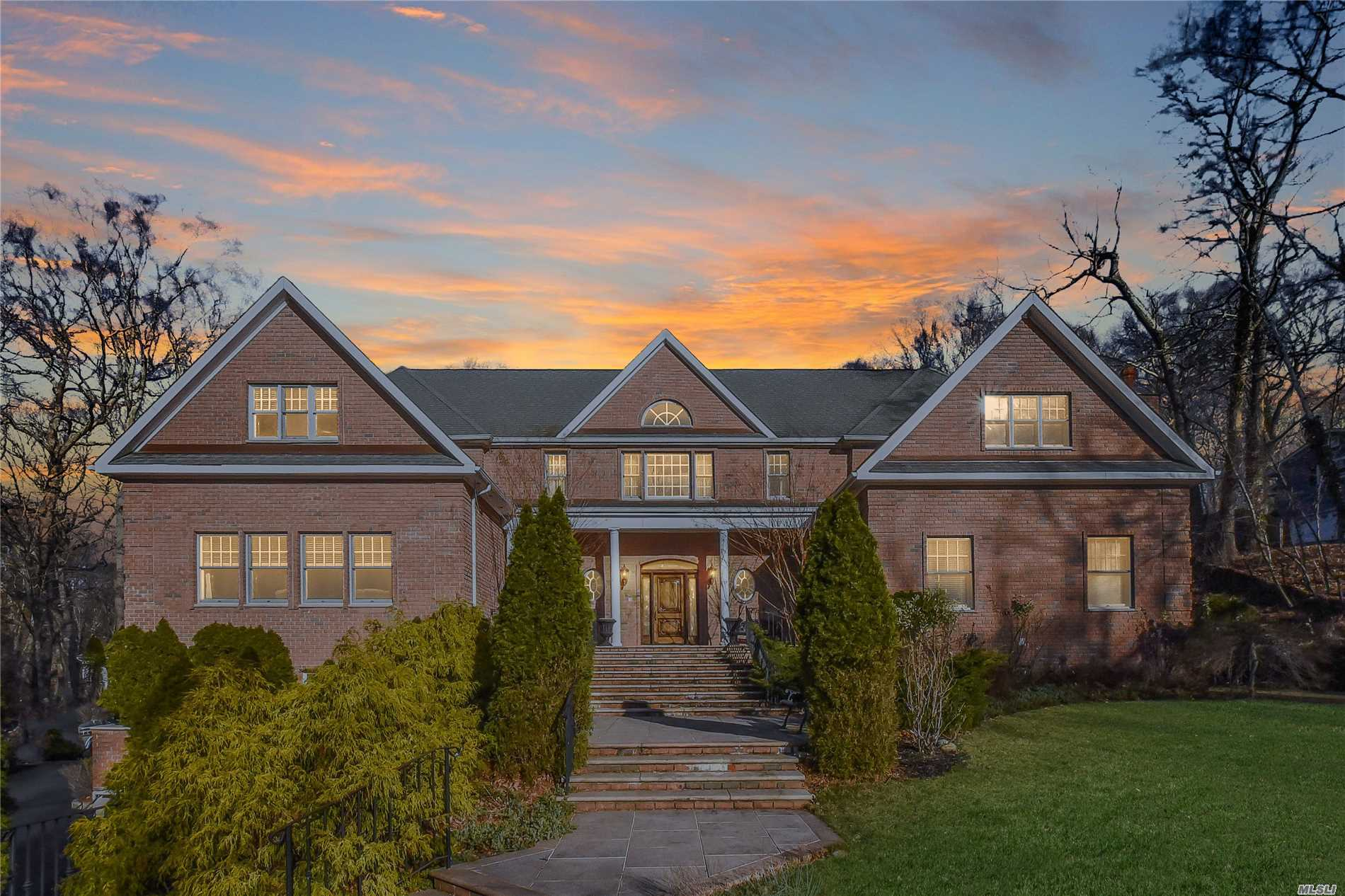 This 5800 Sf All Brick Designer Showplace Is Set Upon 2 Acres Across From Stony Brook Harbor. Winter Water Views Can Be Enjoyed Throughout This Beauty. Among Its Obvious Custom Design, You Will Find Attention To Detail At Every Turn. Come Inside And Experience Its 10Ft Ceilings, Mahogany Flrs, Gourmet Kit W/Granite Countertops, Arched Doorways, 1st Fl Master Suite Overlooking Igp And So Much More. Relax By The Fp, Entertain Both Inside & Out. Experience The Luxury That Awaits Within.