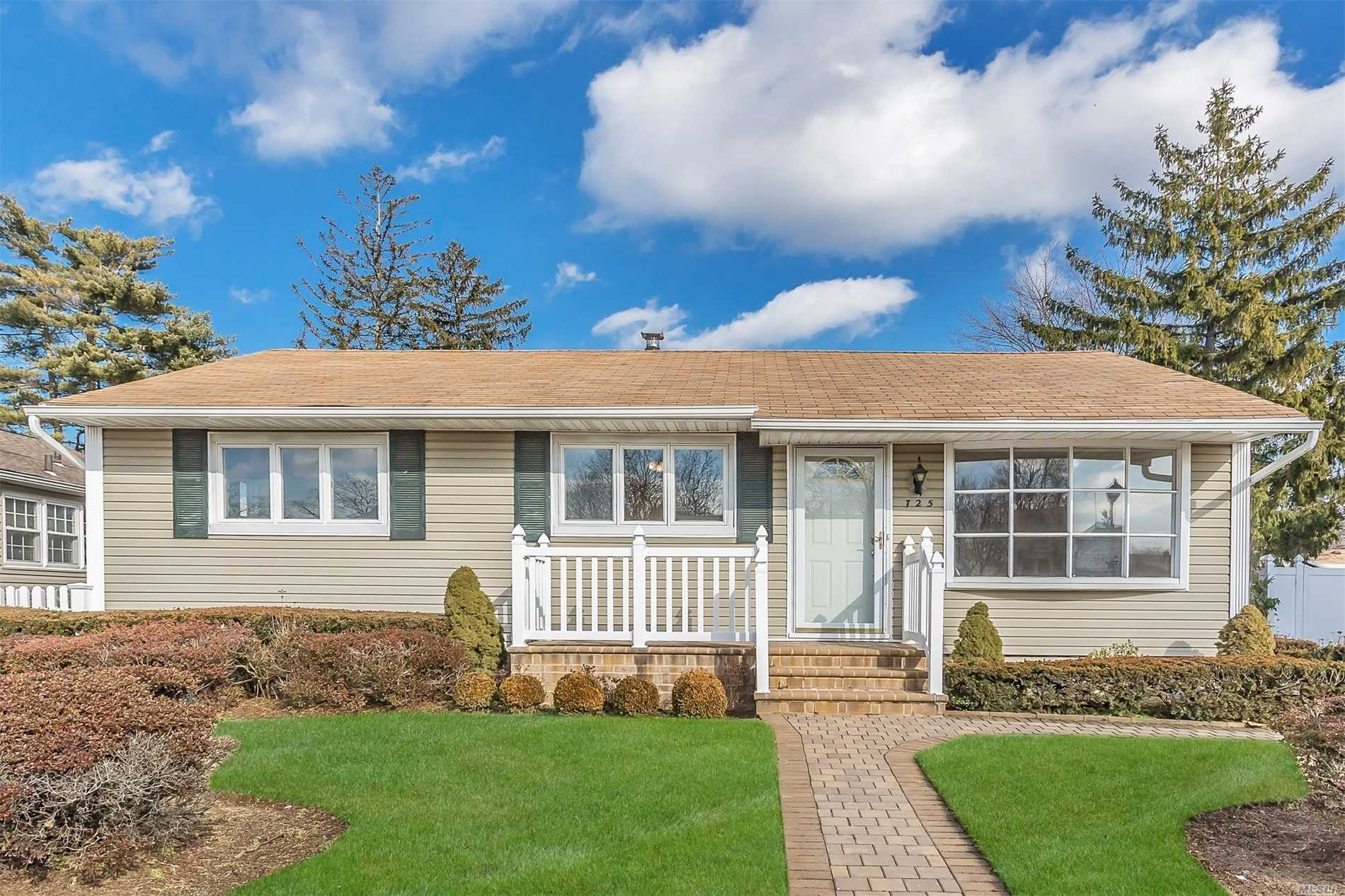 Very Sweet Freshly Painted Ranch With Den Extension.  Hardwood Floors Throughout, Cozy Family Room Overlooks Yard. Large Unfinished Basement Offers Many Possibilities,  Convenient To Shopping And Stores.