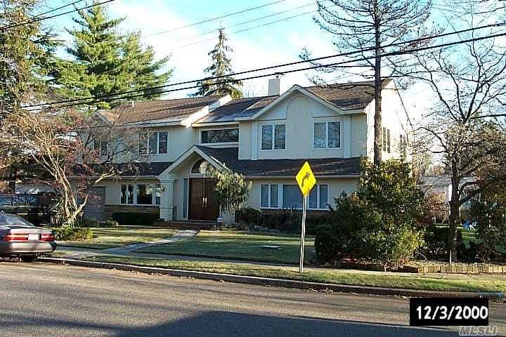 Center hall colonial with 5 bedrooms upstairs and 1 on the main floor. govt subsides accepted, Spectacular, Desirable, Woodmere Park area. Over sized corner lot, walk to all