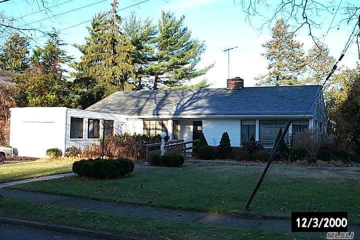 Ranch w/handicap access. govt subsides accepted, Woodmere park area, walk to all
