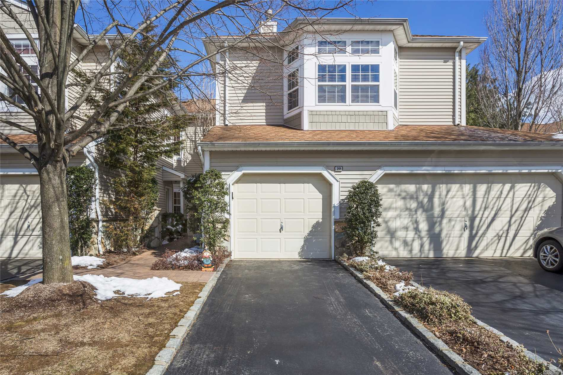 Great Location: Bright End Unit W/Large Patio And Views Of Lake. Ground Level Condo W/2 Bedrooms, 2.5 Baths And Garage In A Gated Community That Boasts Indoor And Outdoor Pools, Restaurant, Fitness Center, Tennis, And Clubhouse.