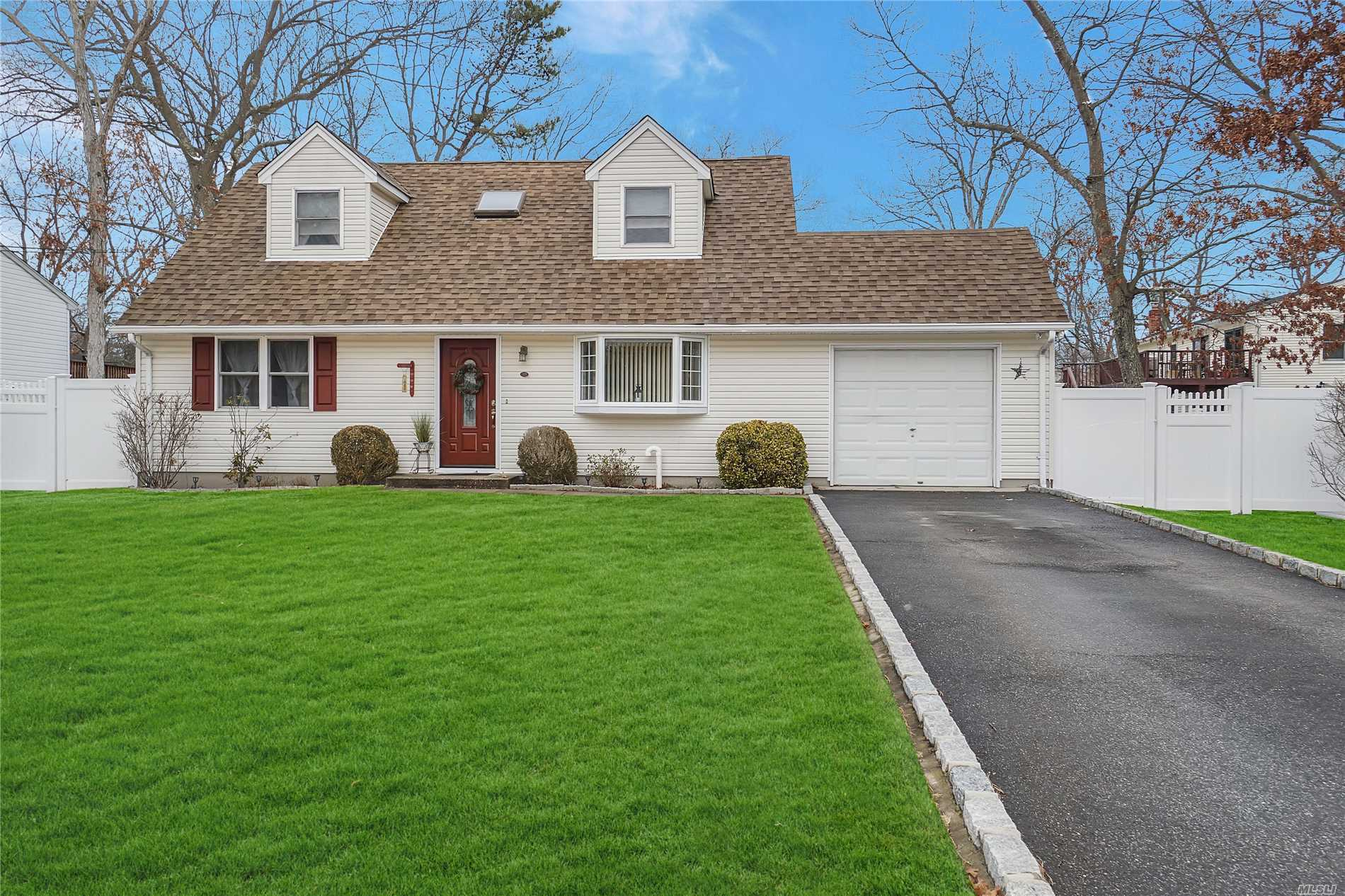 Nicely Updated Home With Granite Kitchen/New 1 Layer Roof-6' Vinyl Fence, Baths, Oil Tank Replaced, Bb Drive, Original Owners.Ceiling Fans, New Front Door, Swezey Oil Burner K, New Micro+ Washing Machine, Rear Deck, Tilt In Windows, * Tax-$1138, Cherokee Elem. School/Summer Occupancy.