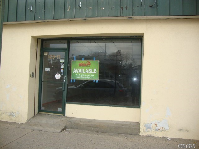 Storefront 1100 Sq. F Located in a densely populated place. Good for any business