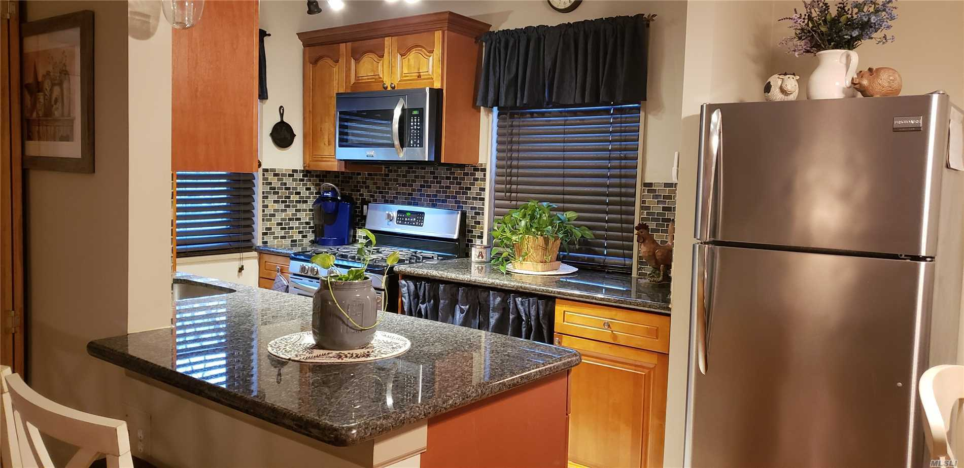 Totally Updated Co-Op On First Floor In Clearview Gardens. Features Living Room, Dining Area, Kitchen And Full Bath. Hardwood Floors, Washer And Dryer In Unit. All Utilities Included In Maintenance.