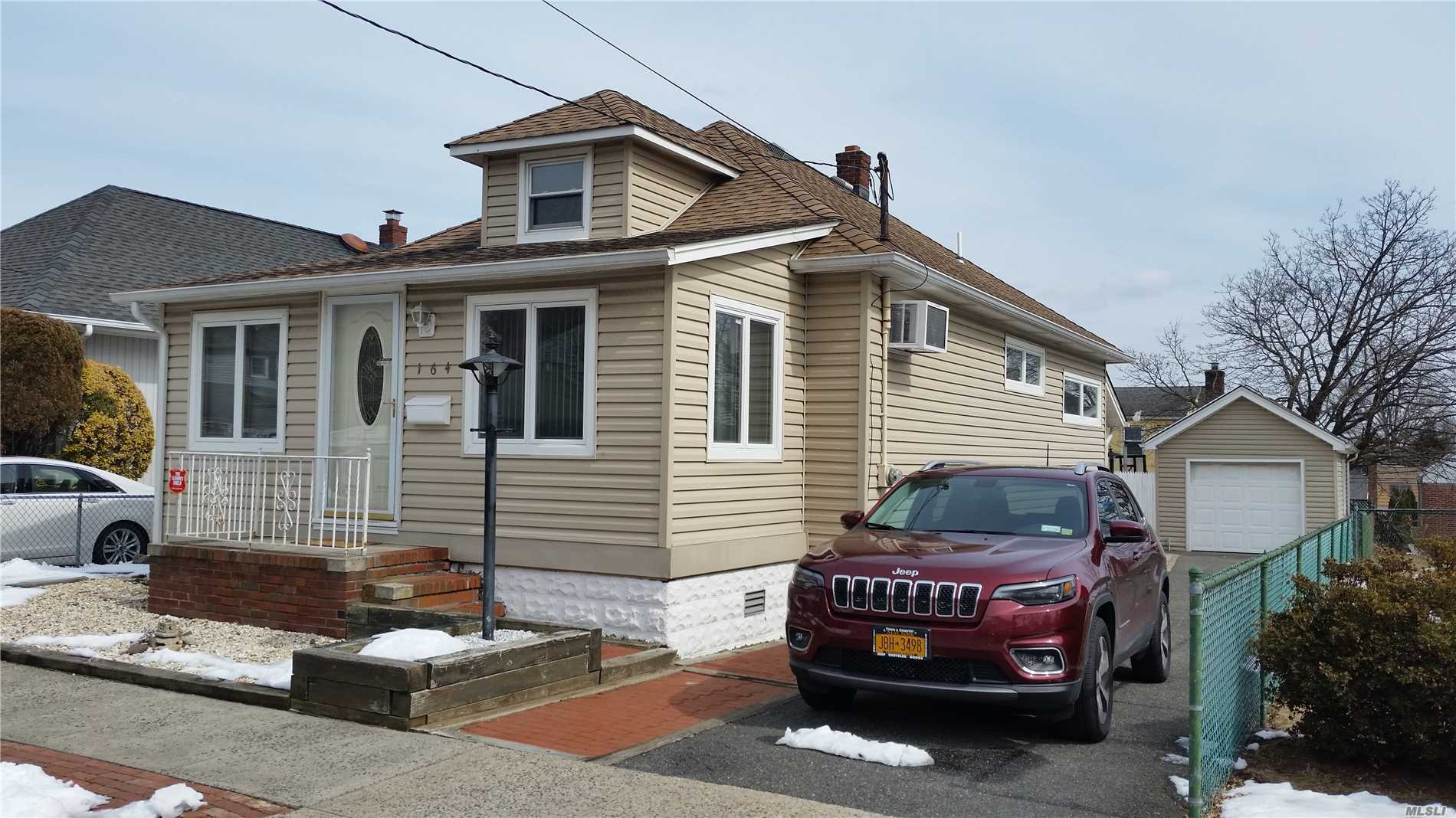 Great Home in the heart of Fr. Sq., 2 possible 3 bdrm. Full Finished Basement, Private Driveway with detached garage, Mint condition, priced to sell !!! Roof and Siding within the last 7 yrs.