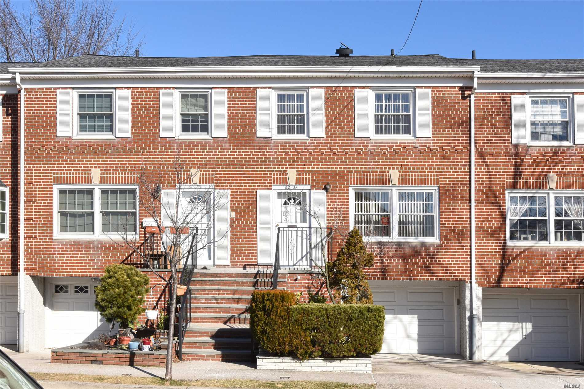 Douglaston Townhouse Largest Sq. Footage 3 Level Condo In Complex. Hrdwd Floors, Many Closets/Storage, Hi-Hats, Newr Stainless Kit Appl Cac, Gas Heat, Cookg & New Gas Hot Water Htr. New Roof+ $135 Assesmnt Till 12/19. Tiled Basement W/Separate Street Level Door + Indr Entrance From Large Insulated Garage. Own Yard & Patio, Plus 2nd Parking Space. Pool Club+Playgrnd. Common Area Landscaping, Snow Removl Included. Close To Flushing/N.Y.C Express Bus, L.I.R.R, Shops, Parkways, Bridges. D.O.G.S & Cats Welcome